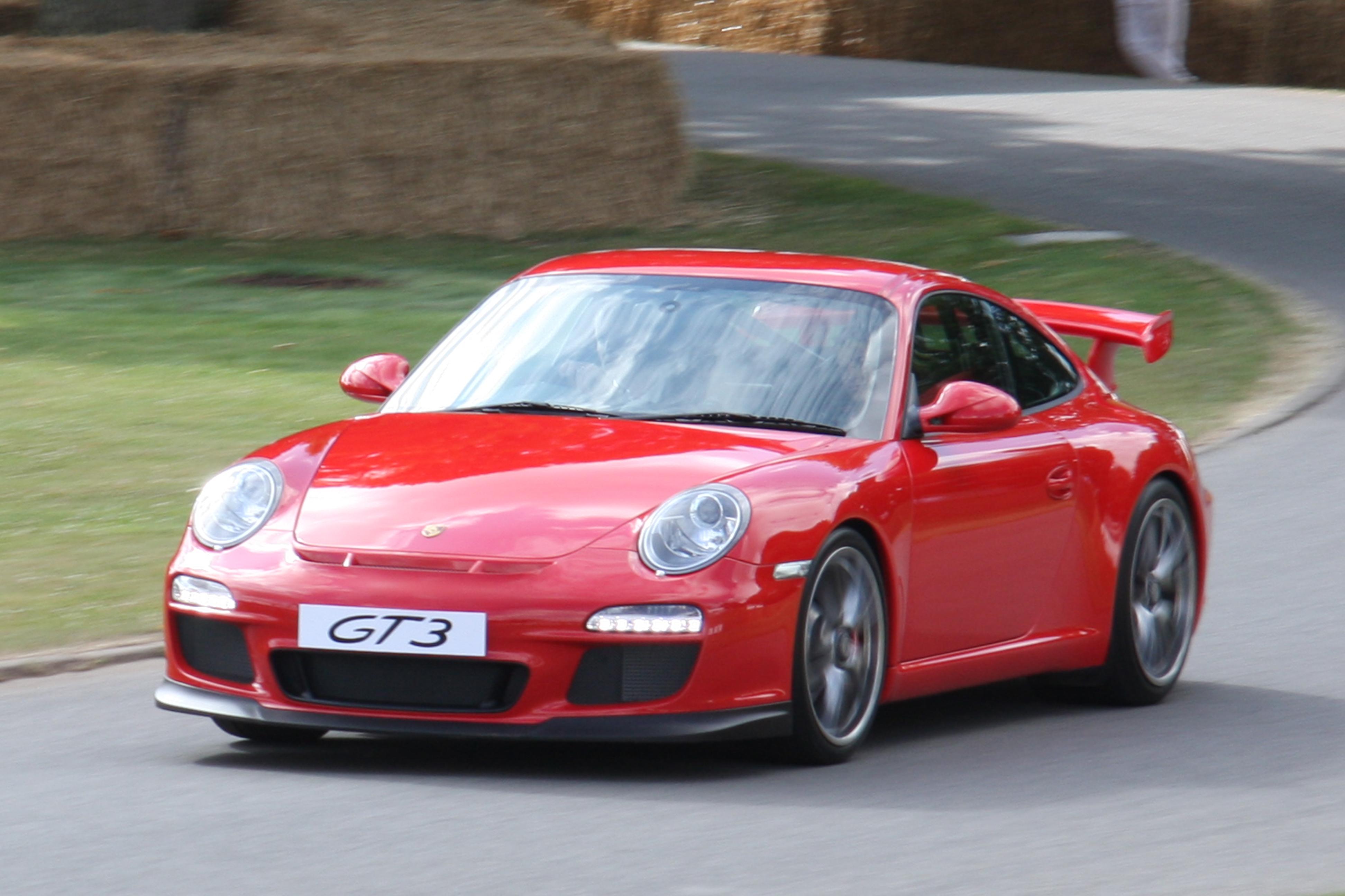 2009-07-05_red_Porsche_997_GT3_%28MY_2010%29_Goodwood Exciting Porsche 911 Gt2 La Centrale Cars Trend