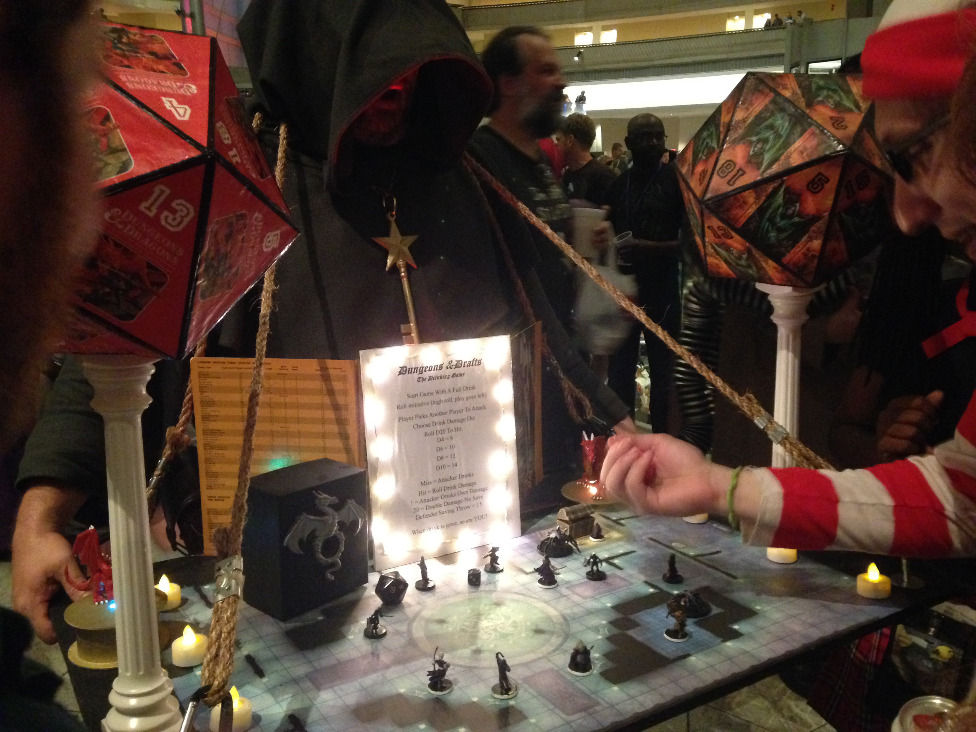 File:2014 Dragon Con Cosplay - D&D Game 5 (15100686826).jpg - Wikimedia  Commons