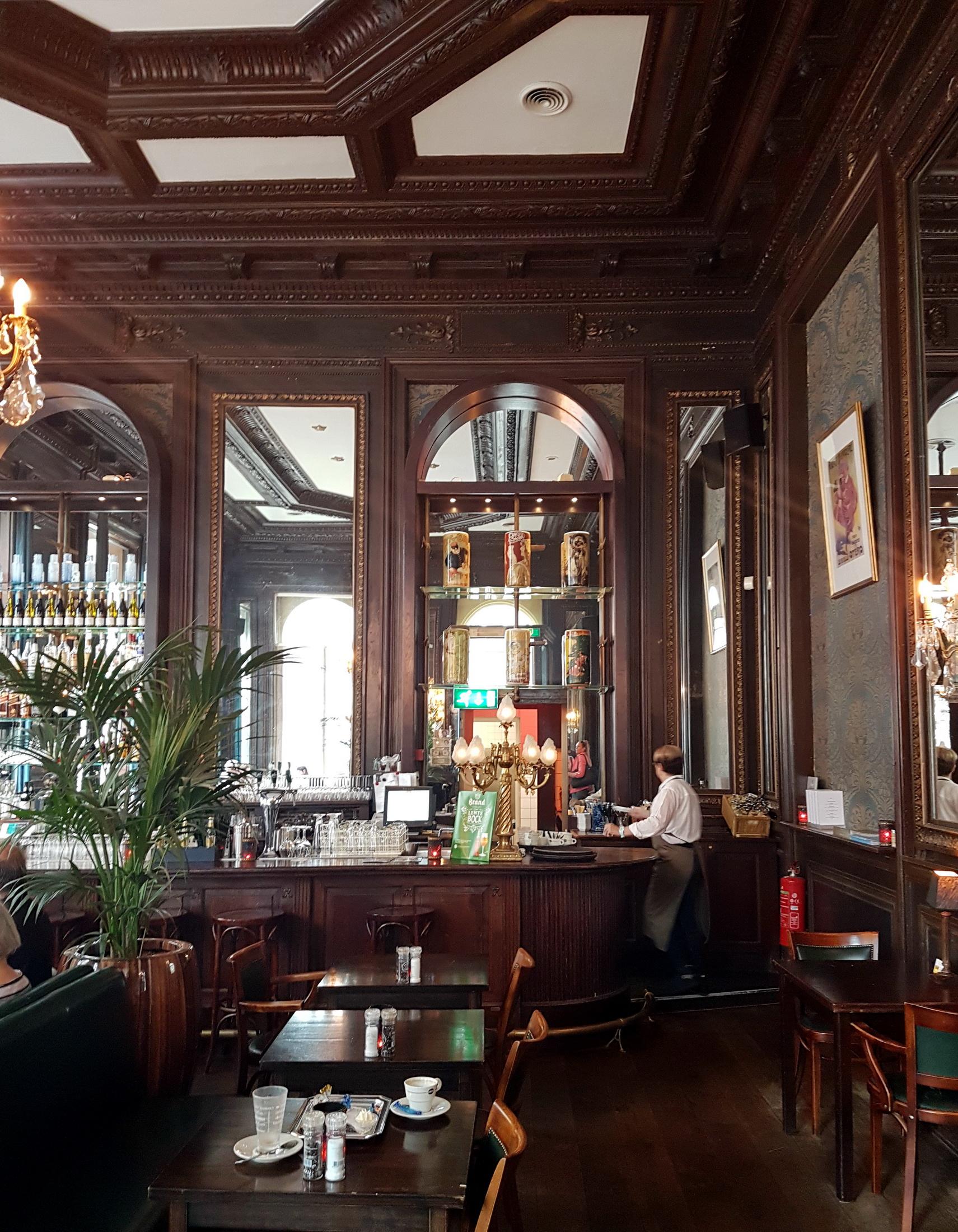 file:2017 maastricht, bonbonnière, café 2 - wikimedia commons