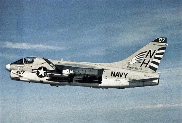 File A 7e Corsair Ii Va 195 In Flight 1972 Jpg Wikimedia