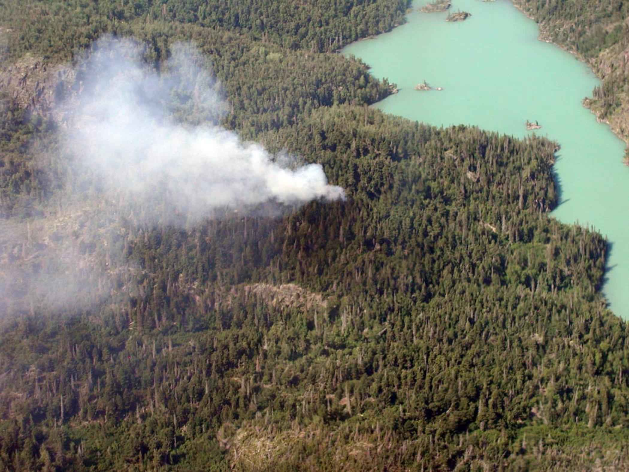 File:Aerial photography of forest fire.jpg - Wikimedia Commons: https://commons.wikimedia.org/wiki/file:aerial_photography_of...