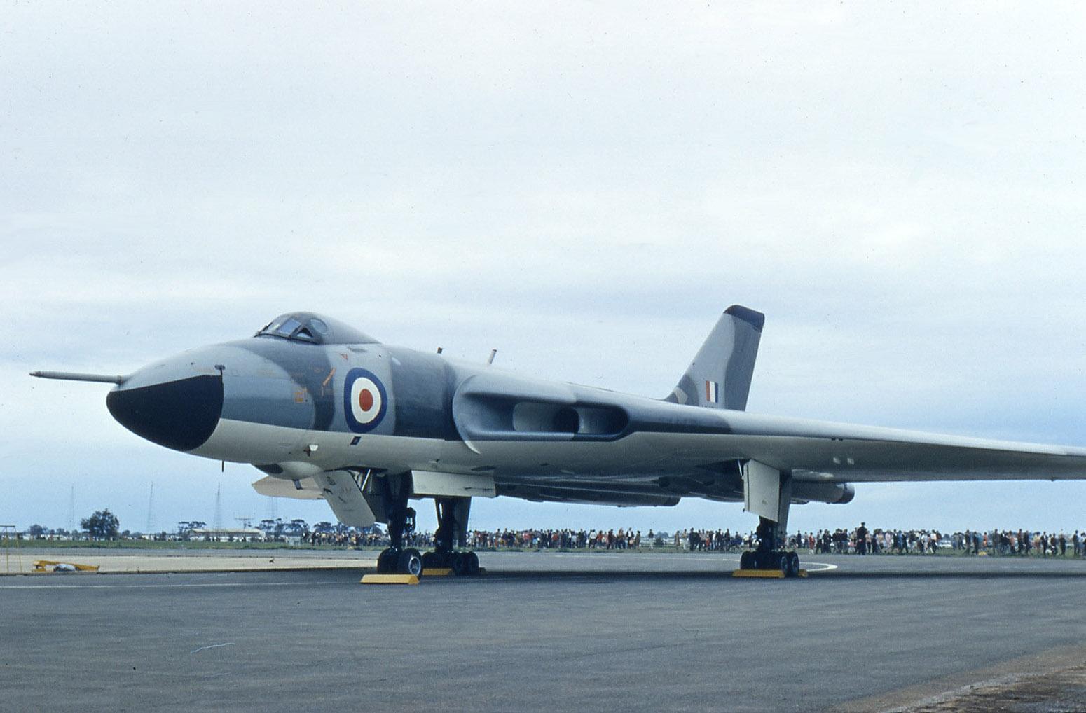 File:Avro_698_Vulcan_B2,_UK_ _Air_Force_AN0459164 on Net Force