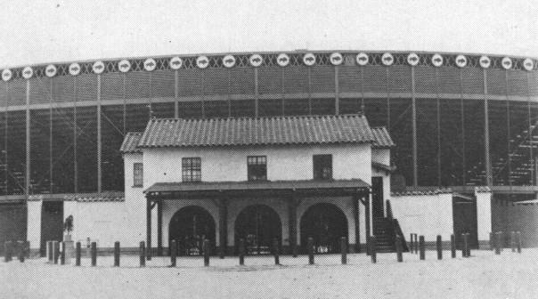 Buffalo Stadium - Wikipedia