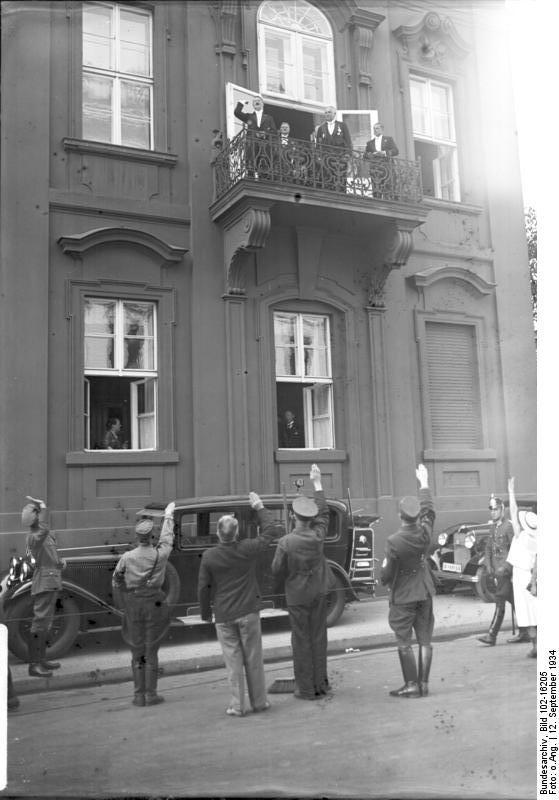Holzkohlegrill balkon berlin kreative ideen f r for Innendekoration berlin