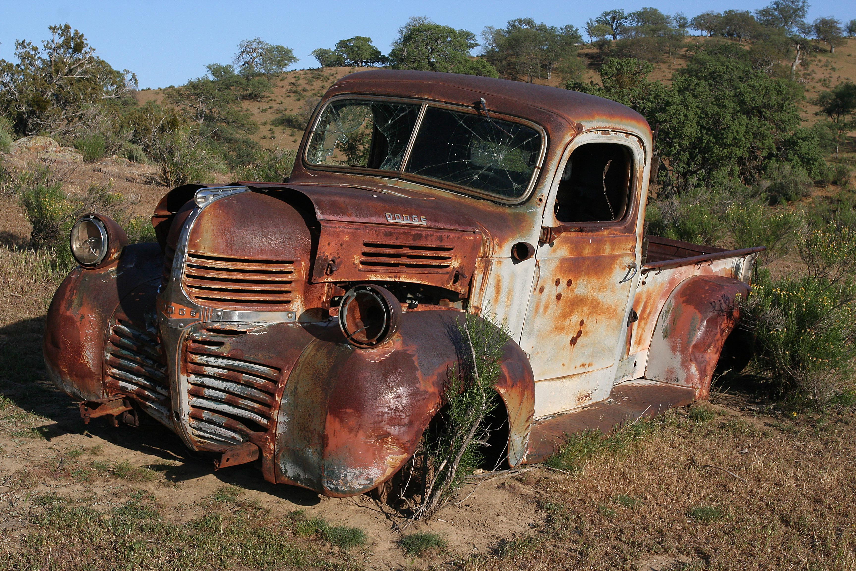 CHIMINEAS_-_OLD_TRUCK_-_Dodge_A_-12_(409