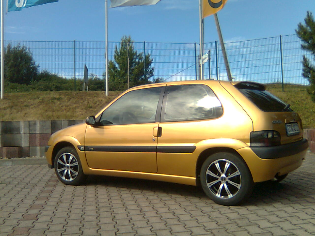 file citroen saxo 1 4 vts gold jpg