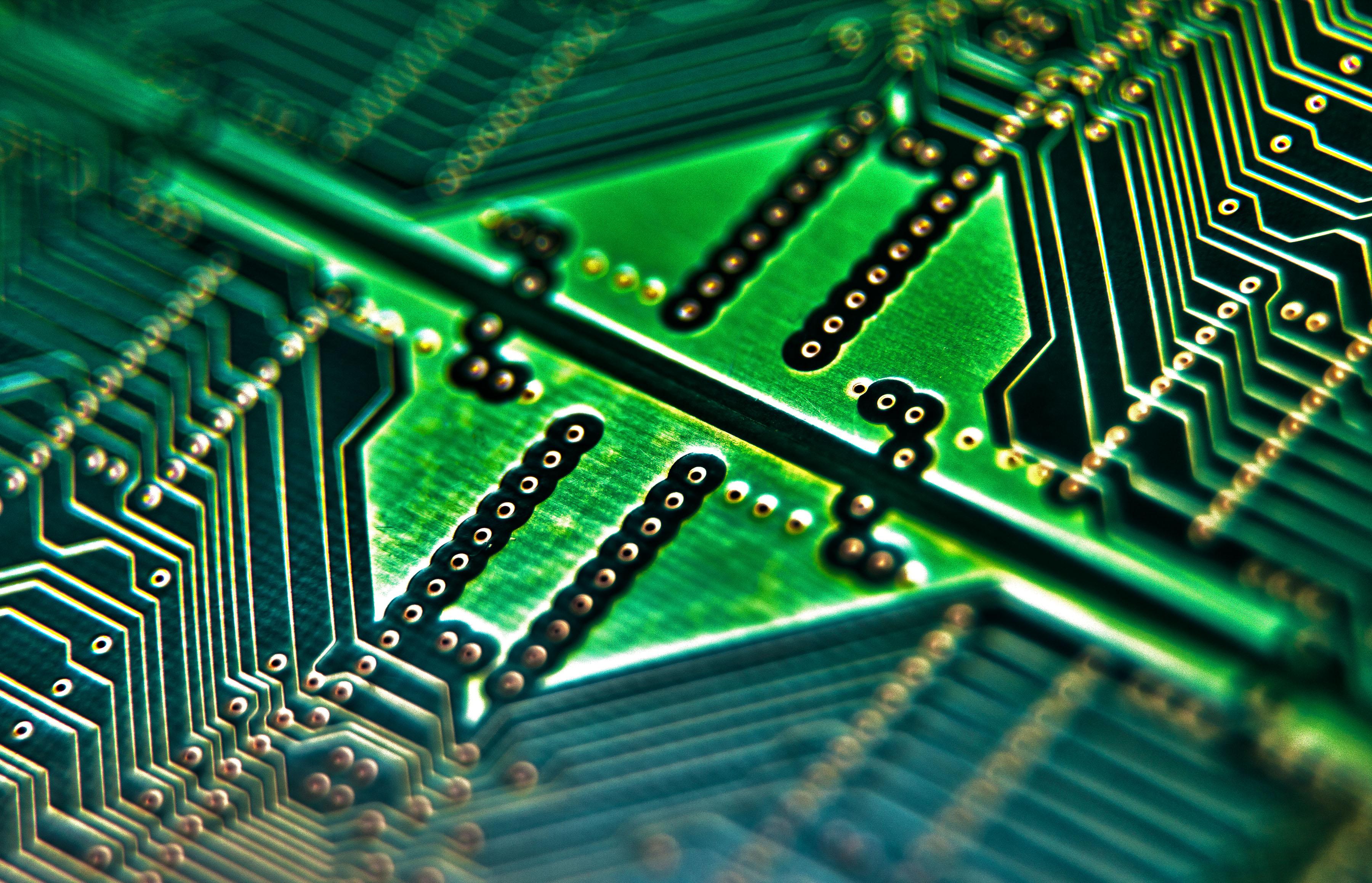 File:Computer Circuit Board MOD 45153621.jpg - Wikimedia Commons