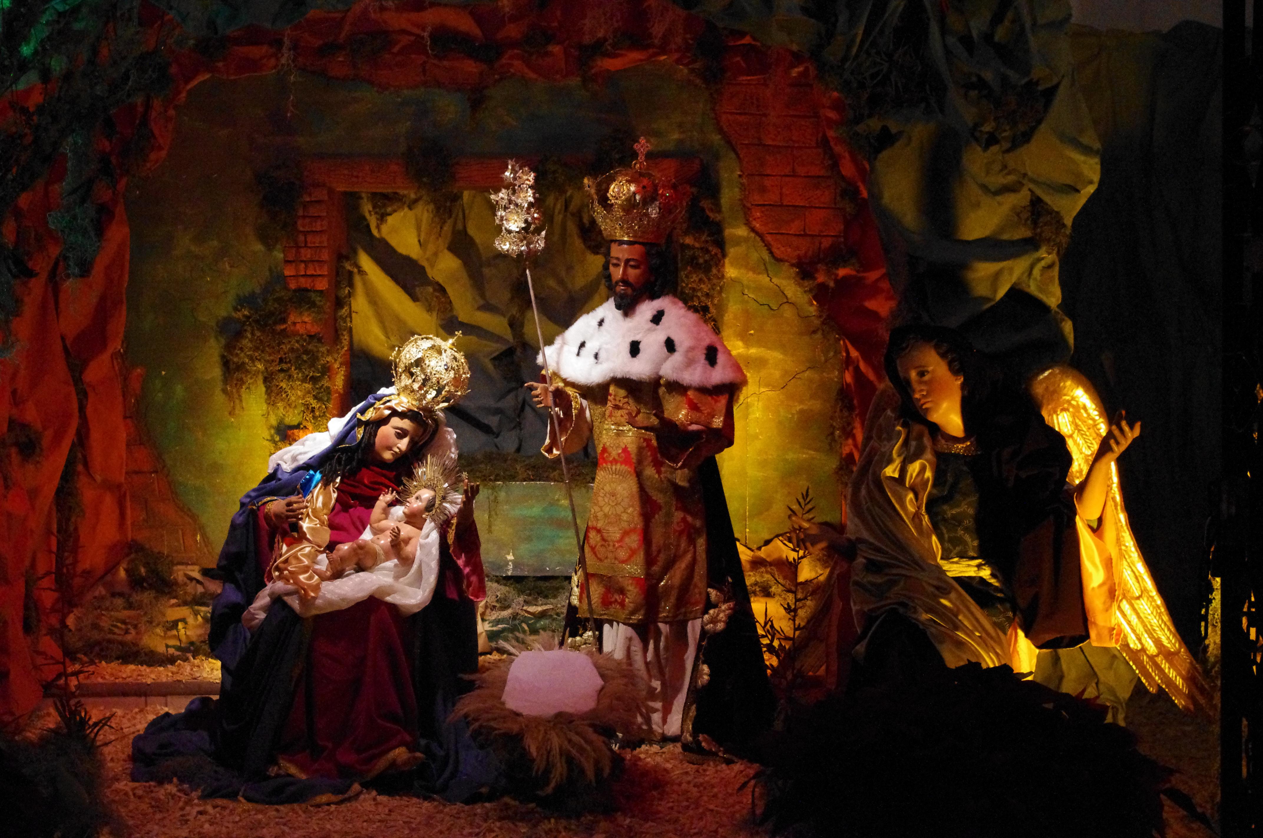Santons et crèches de Noël  - Page 2 Cr%C3%A8che_de_no%C3%ABl