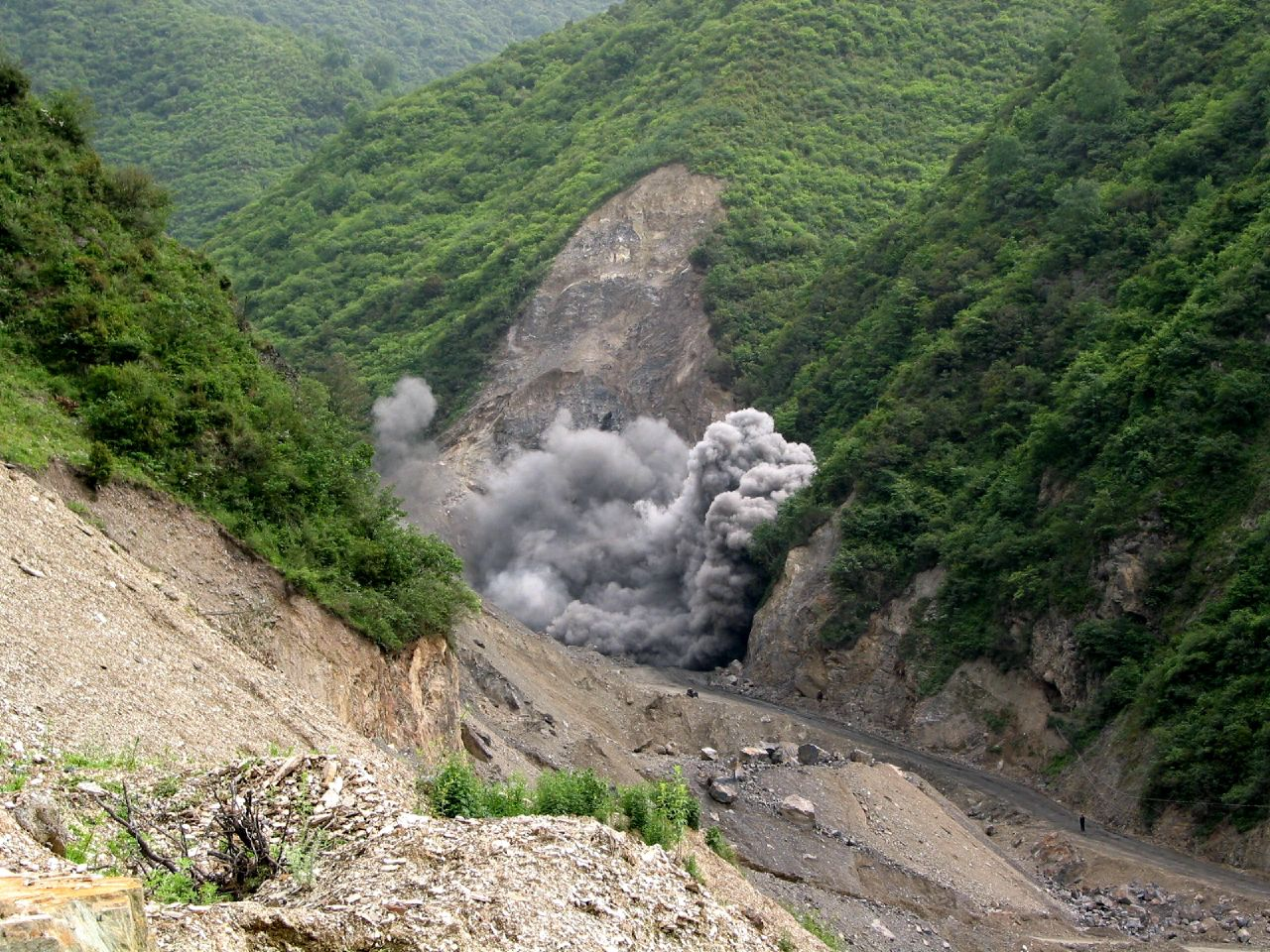 File Destroying A Mountain To Build A Dam In Wanglang