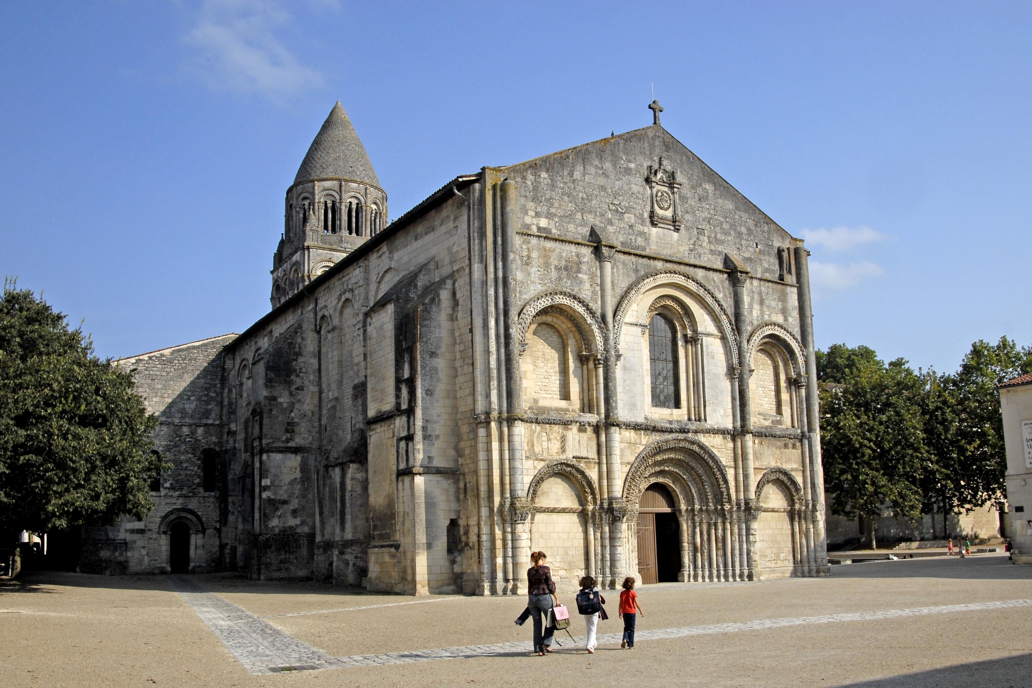 Ville Ideale St Jean Dangely