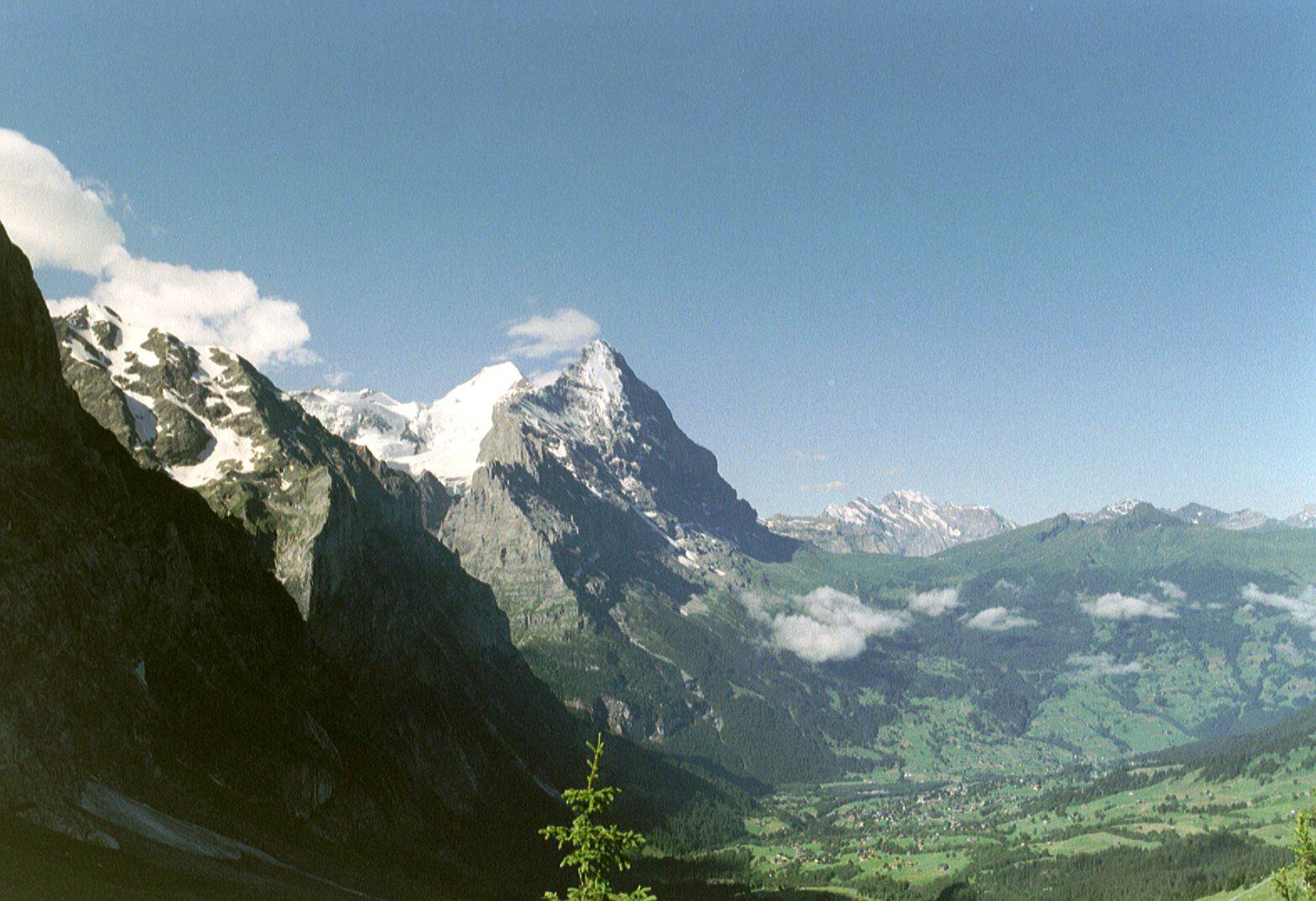 FileEiger Met Grindelwald Zwitserlandjpg Wikimedia