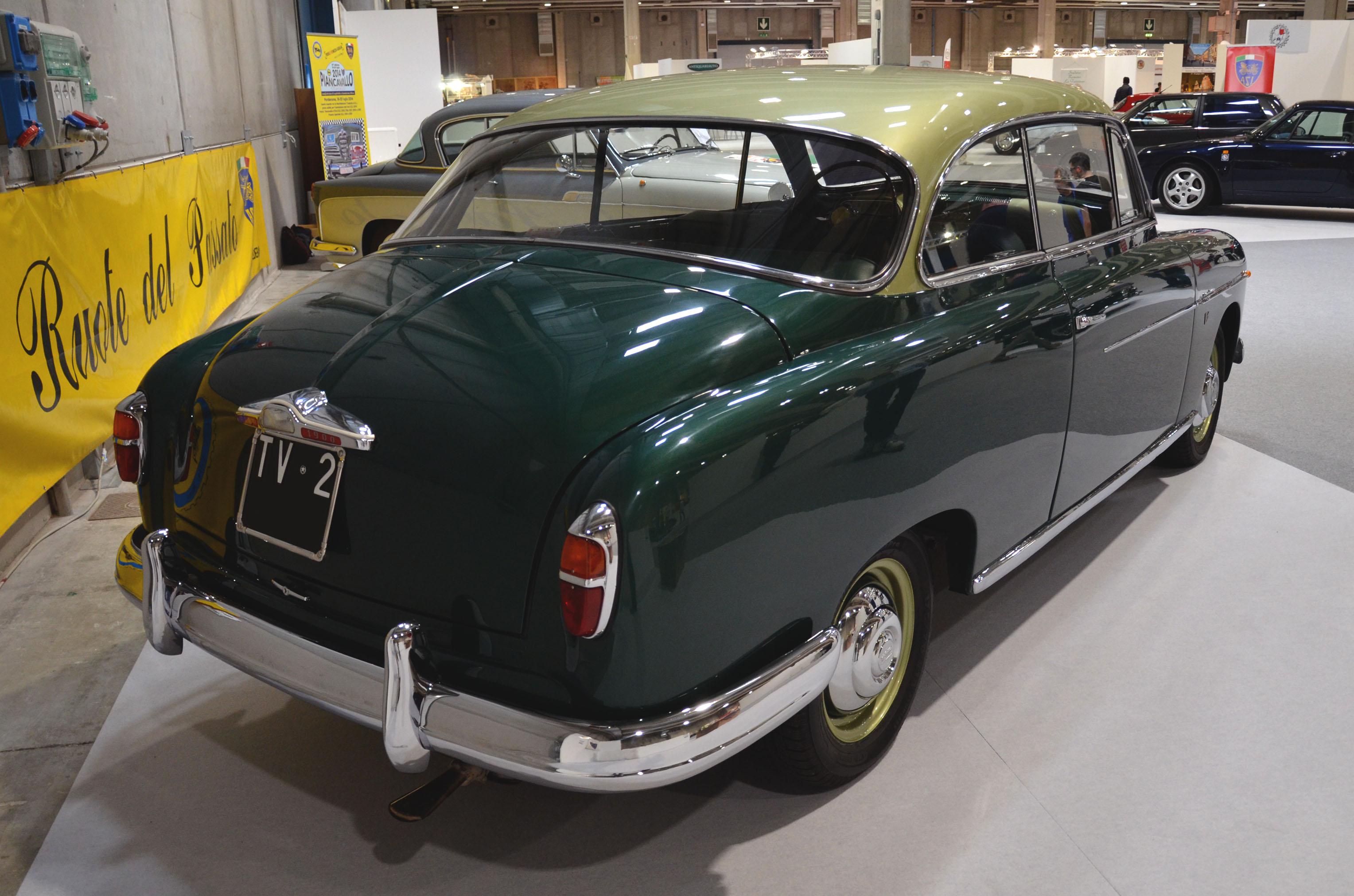 File:Fiat 1900 Granluce - Legend Cars 2015 JPG - Wikimedia Commons