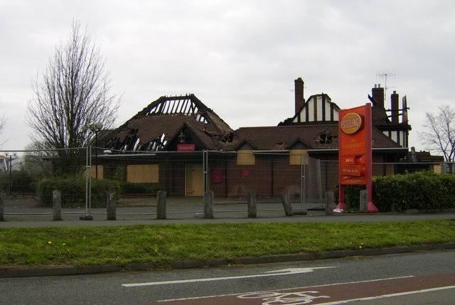 File:Fire Damaged Pub - geograph.org.uk - 153292.jpg