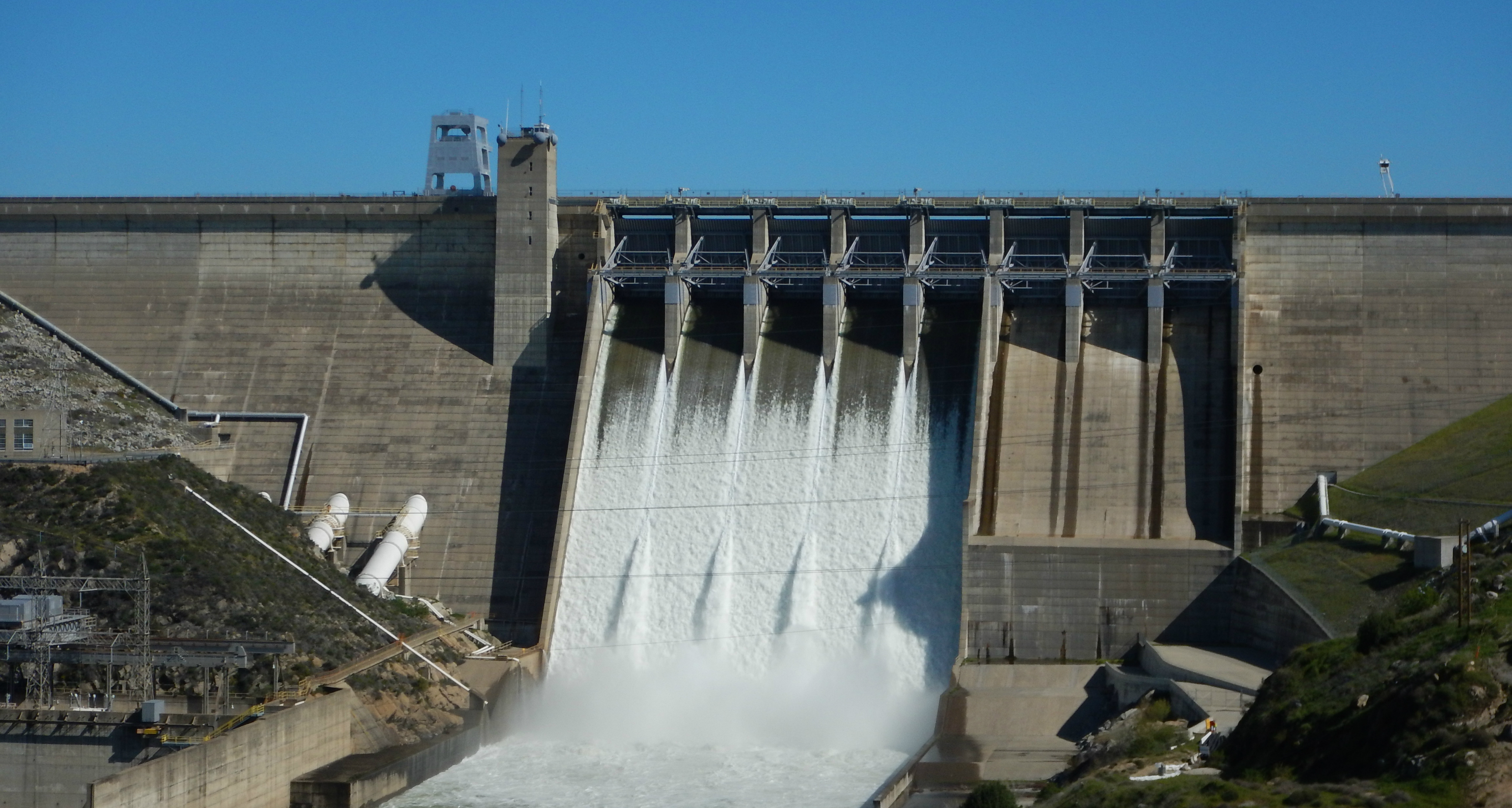 Folsom Dam - Wikipedia