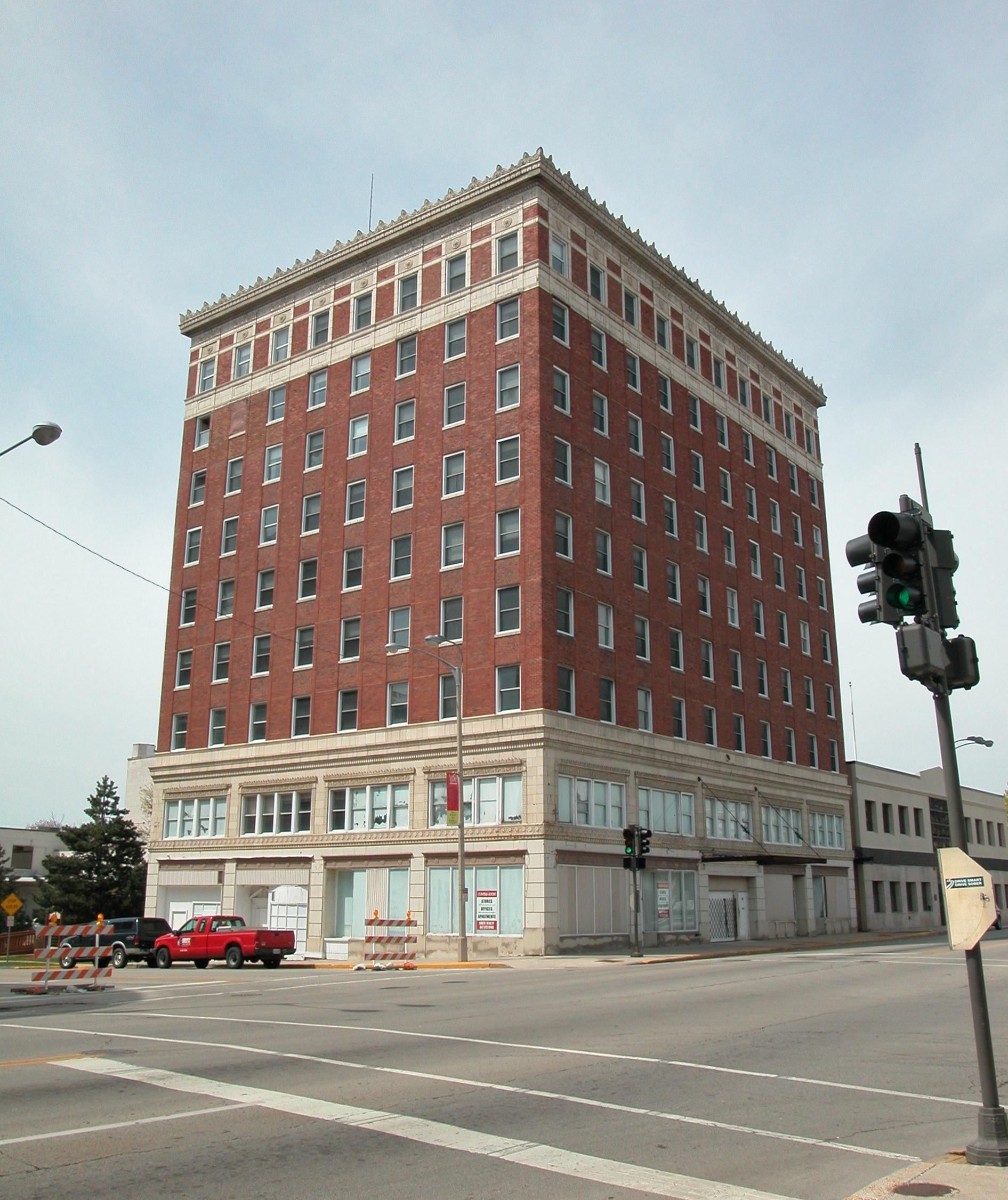 File Former Karcher Hotel In 2006 Waukegan Illinois Jpg