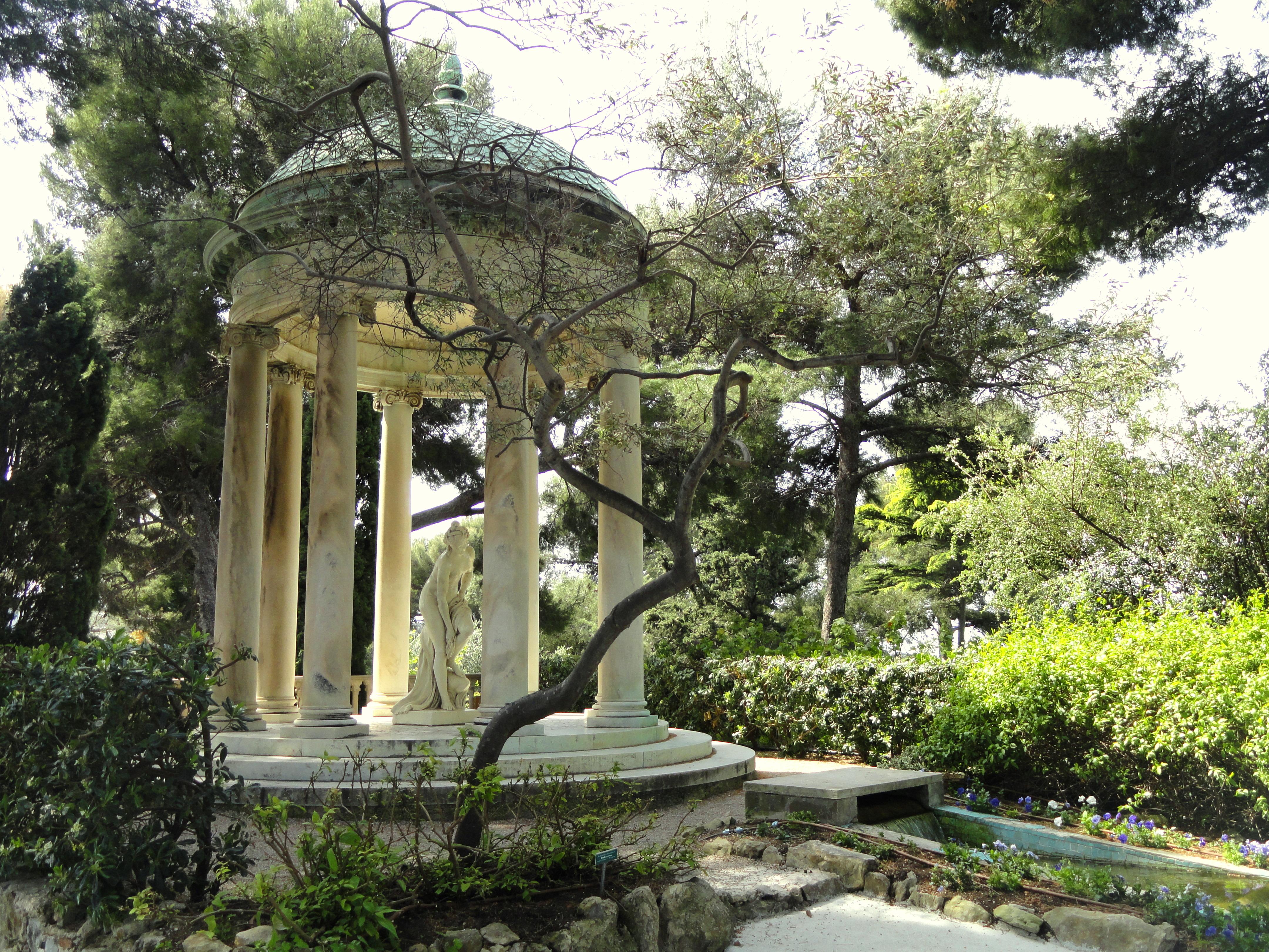 De Villa Garden Restro Lounge Surat Menu