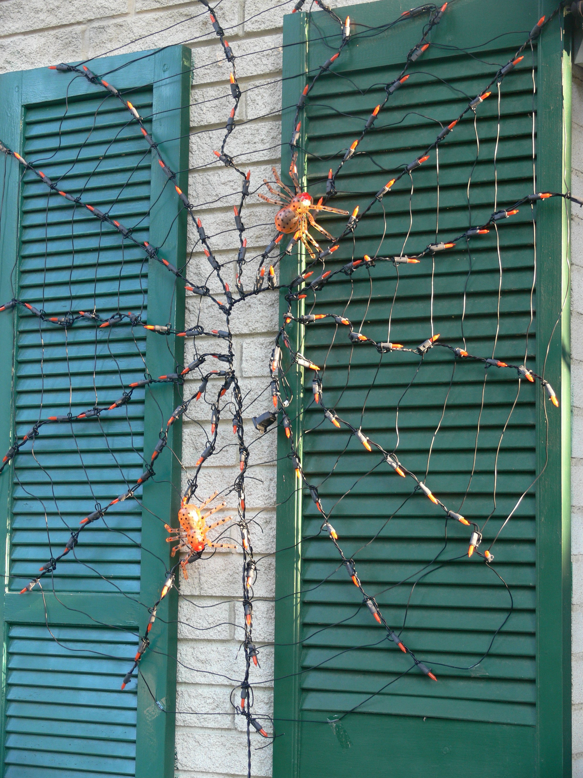File:Halloween decoration spider web.jpg - Wikimedia Commons