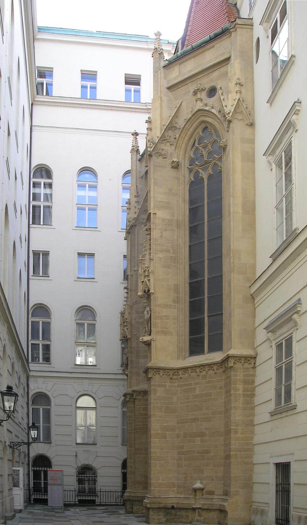 Hofburg Vienna Sept 2006 001.jpg