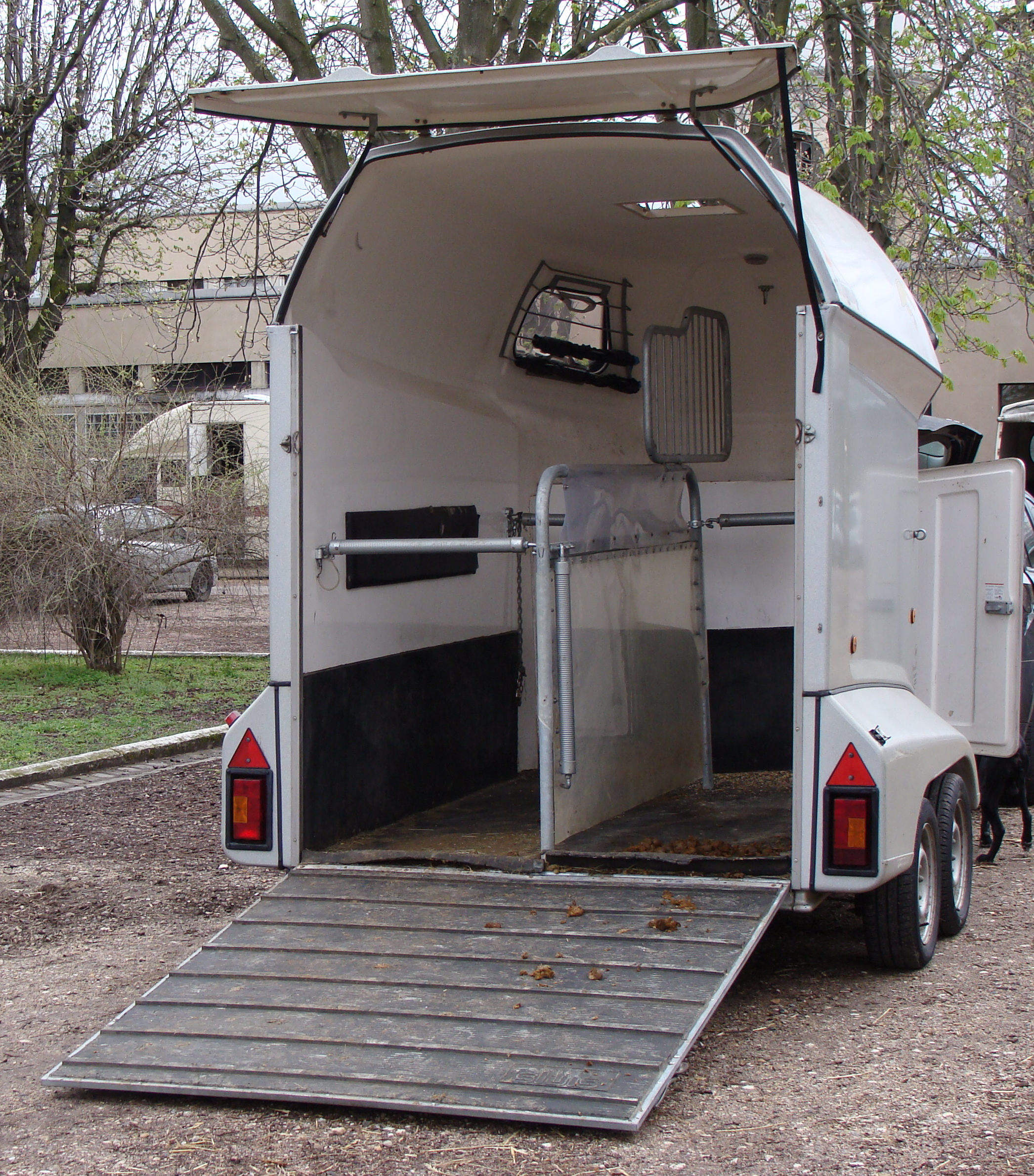 Horse Trailer With Bunk Beds For Sale