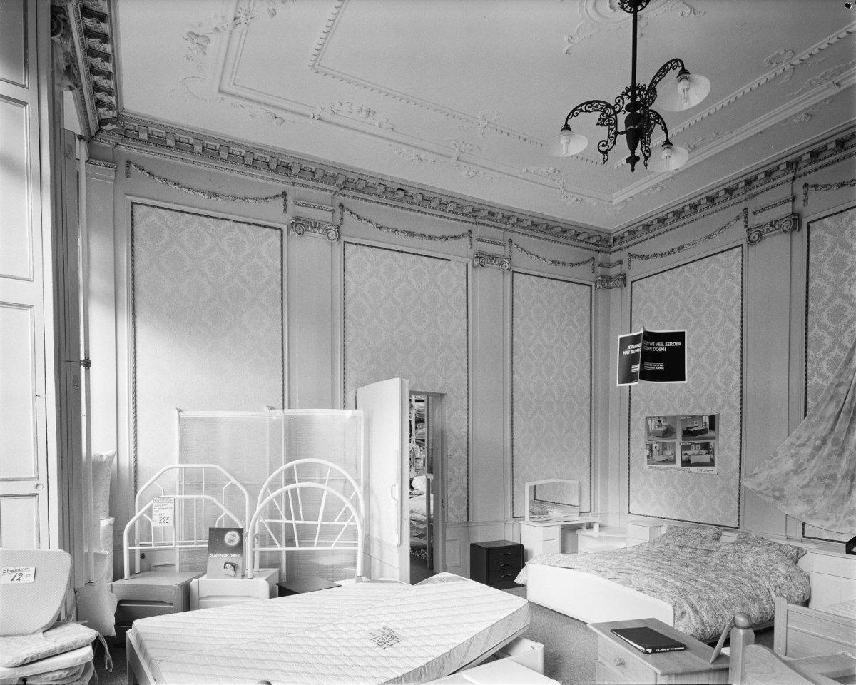 File interieur mooie kamer rechts leeuwarden for Kamer interieur