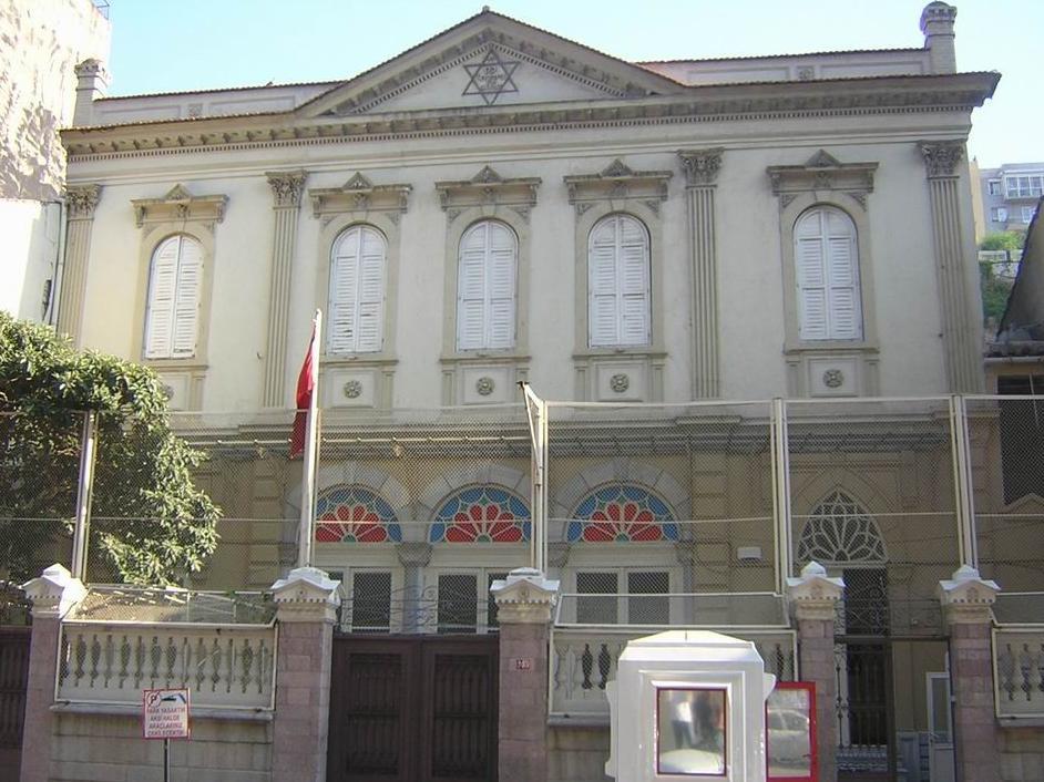 File Karatas Synagogue Izmir Turkey Jpg Wikimedia Commons