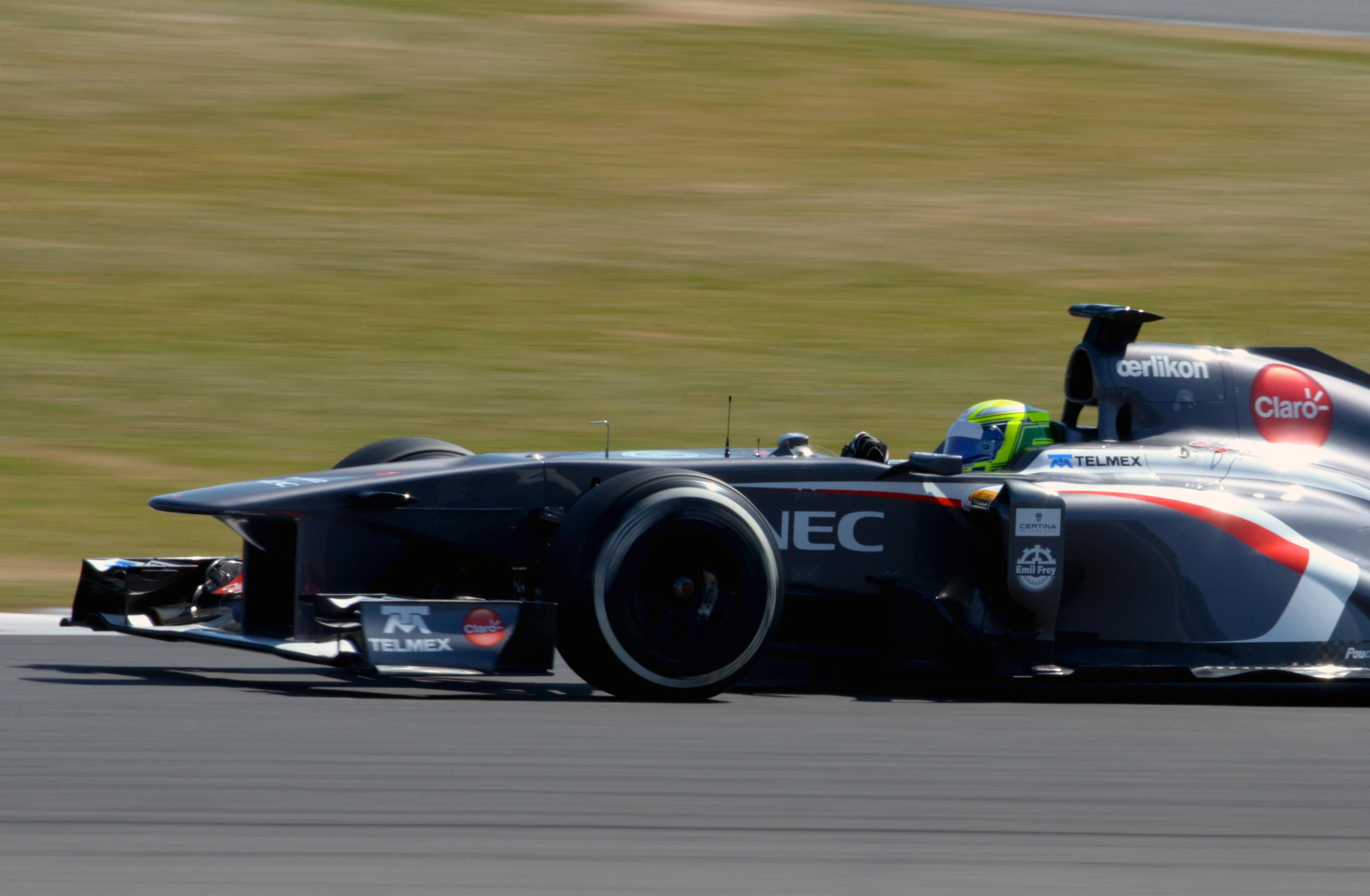 File:Kimiya Sato Sauber 2013 Silverstone F1 Test 001.jpg - W