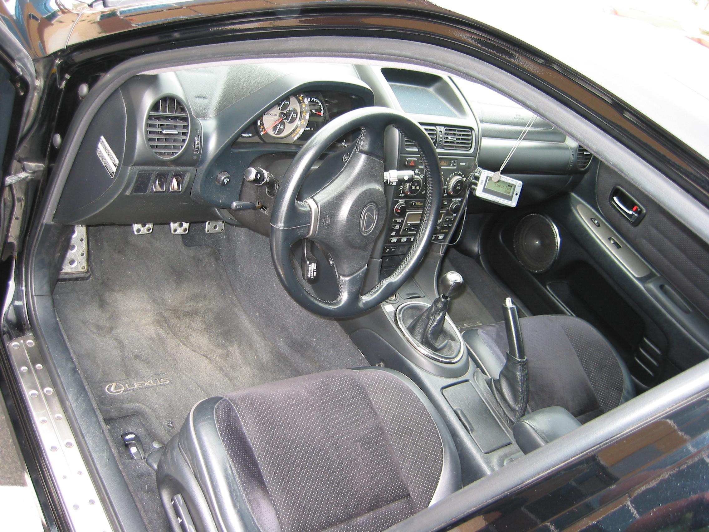 File:Lexus IS 300 interior 5-speed.jpg