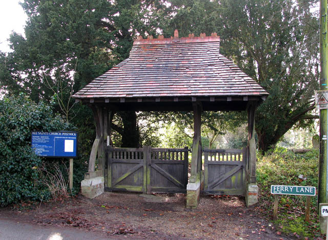 File:Lych gate to churchyard of All Saints - geograph.org.uk - 1070146.jpg