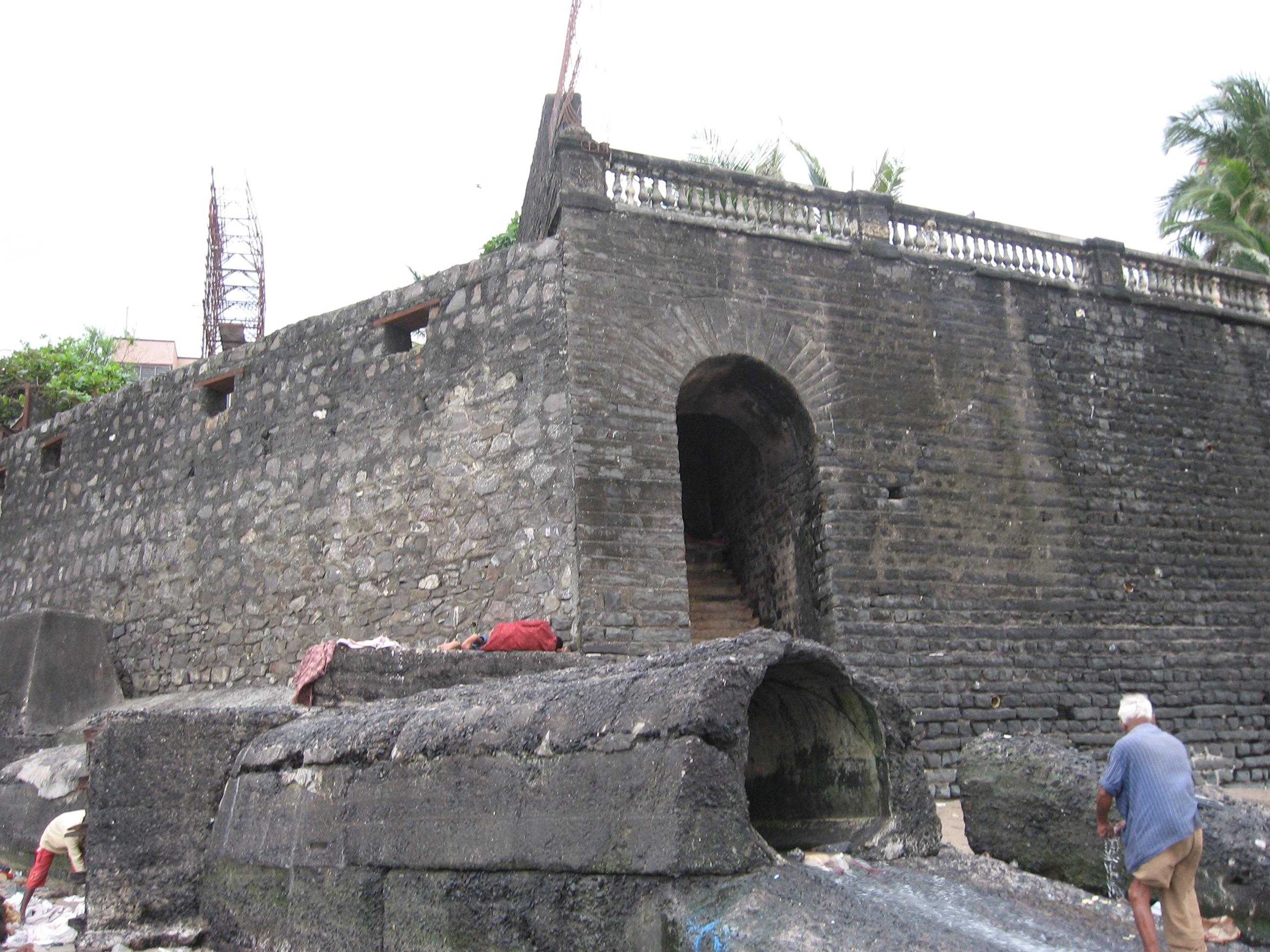 Mahim Fort 11