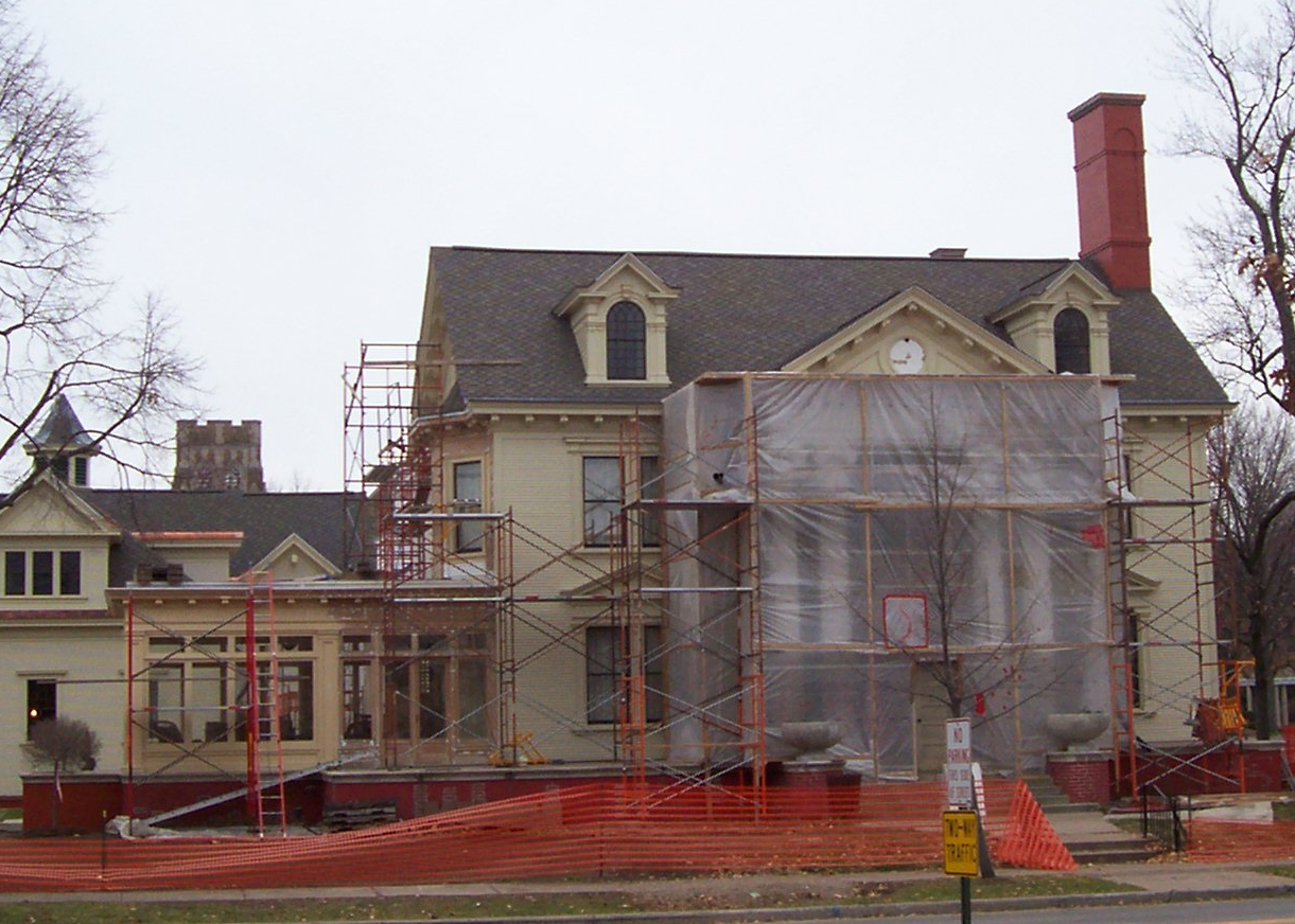 MarathonCountyHistoricMuseumRenovation2007.jpg The w:Marathon County Historic Museum in w:Wausau, Wisconsin, United States while under reconstruction
