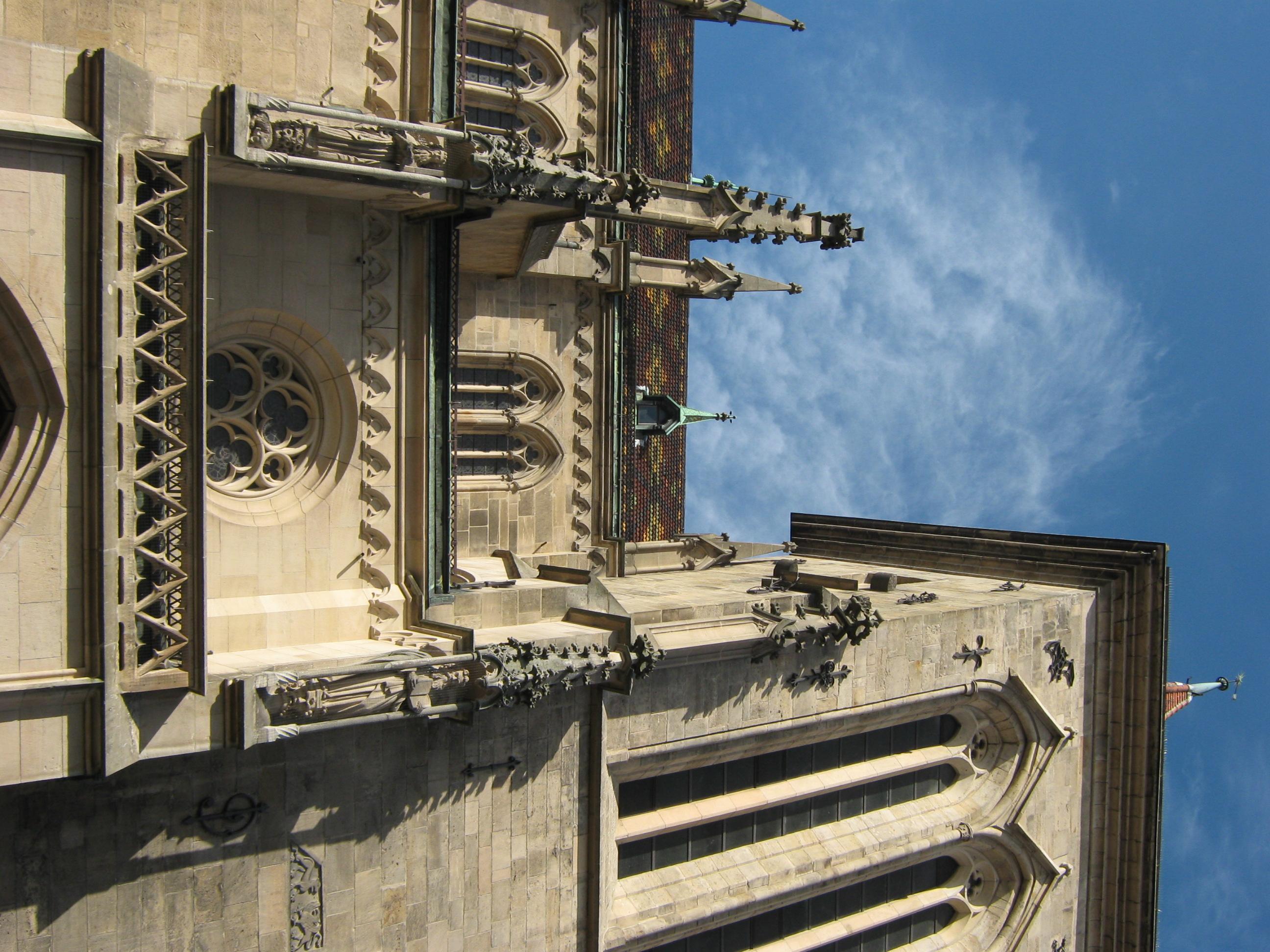 File Marienkirche Rt Brautportal Aussen Balkon Dach Und Sudlicher
