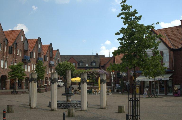 File:Marktplatzaltenberge1.jpg