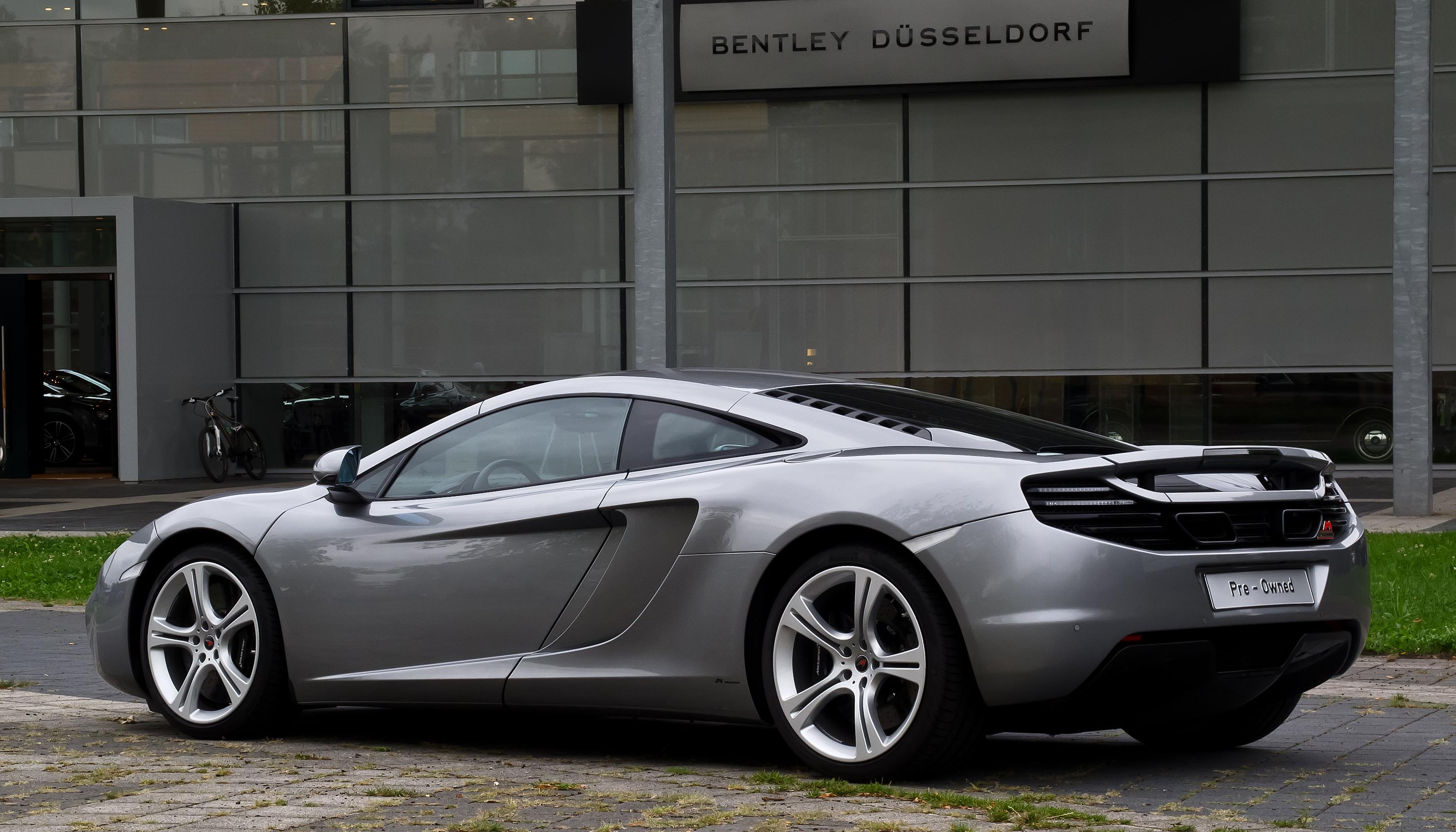 File:McLaren MP4-12C – Heckansicht (7), 30. August 2012 ...