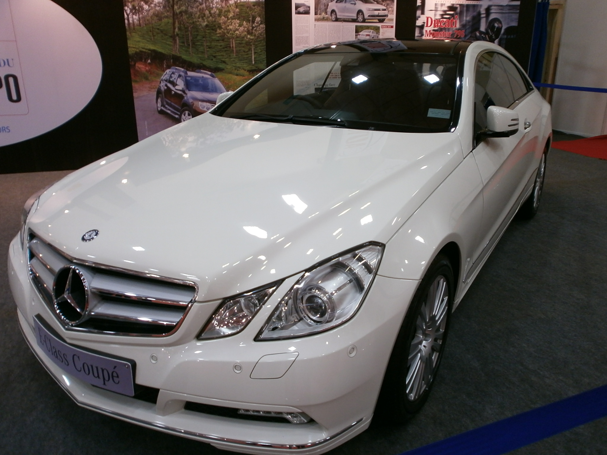 File:Mercedes-E-Class-Coupe.JPG - Wikimedia Commons
