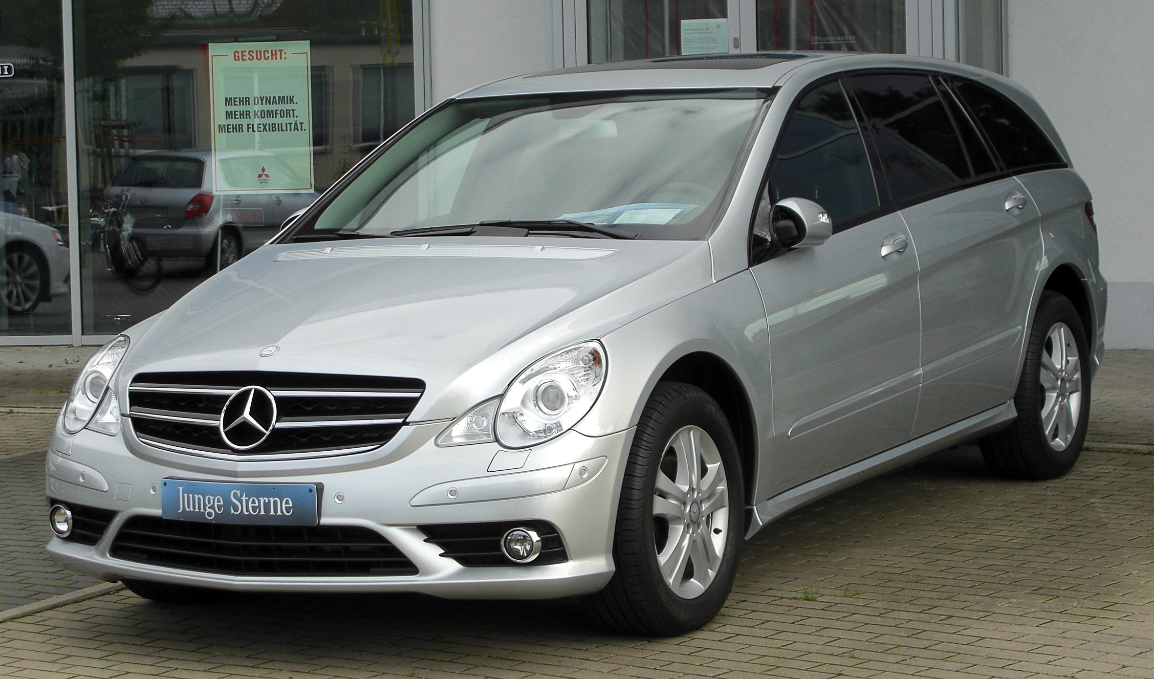 File:Mercedes R 320 CDI 4MATIC L (V251) I. Facelift front 20100918 ...
