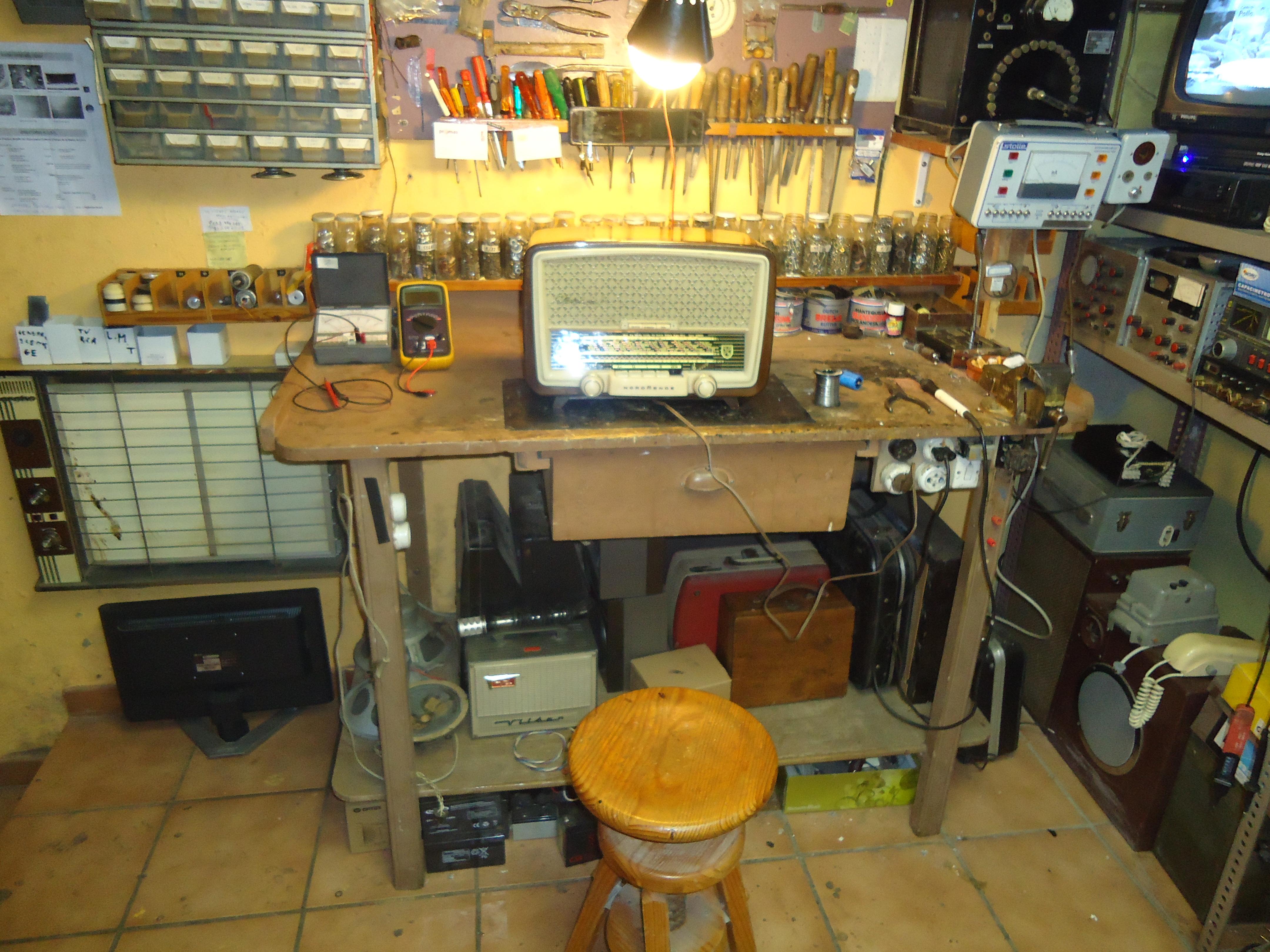 File mi taller jpg wikimedia commons - Como organizar mi casa ...
