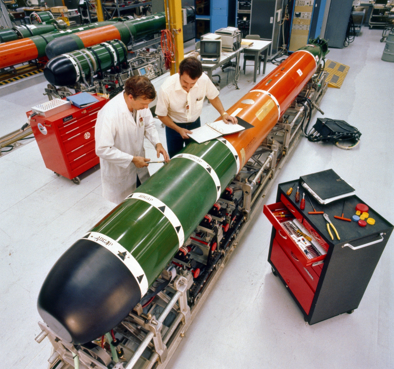 Mk 48 torpedo maintenance 1982.JPEG