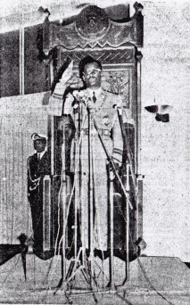 Mobutu swearing in again as President of the Democratic Republic of the Congo following the 1970 election