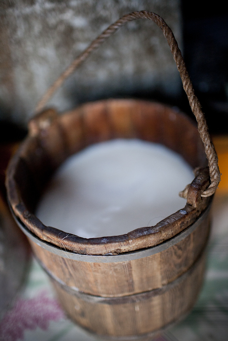 Mongolian Milk Pail. Source: Wikimedia Commons; (c) Taylor Weidman / The Vanishing Cultures Project, CC BY-SA 3.0