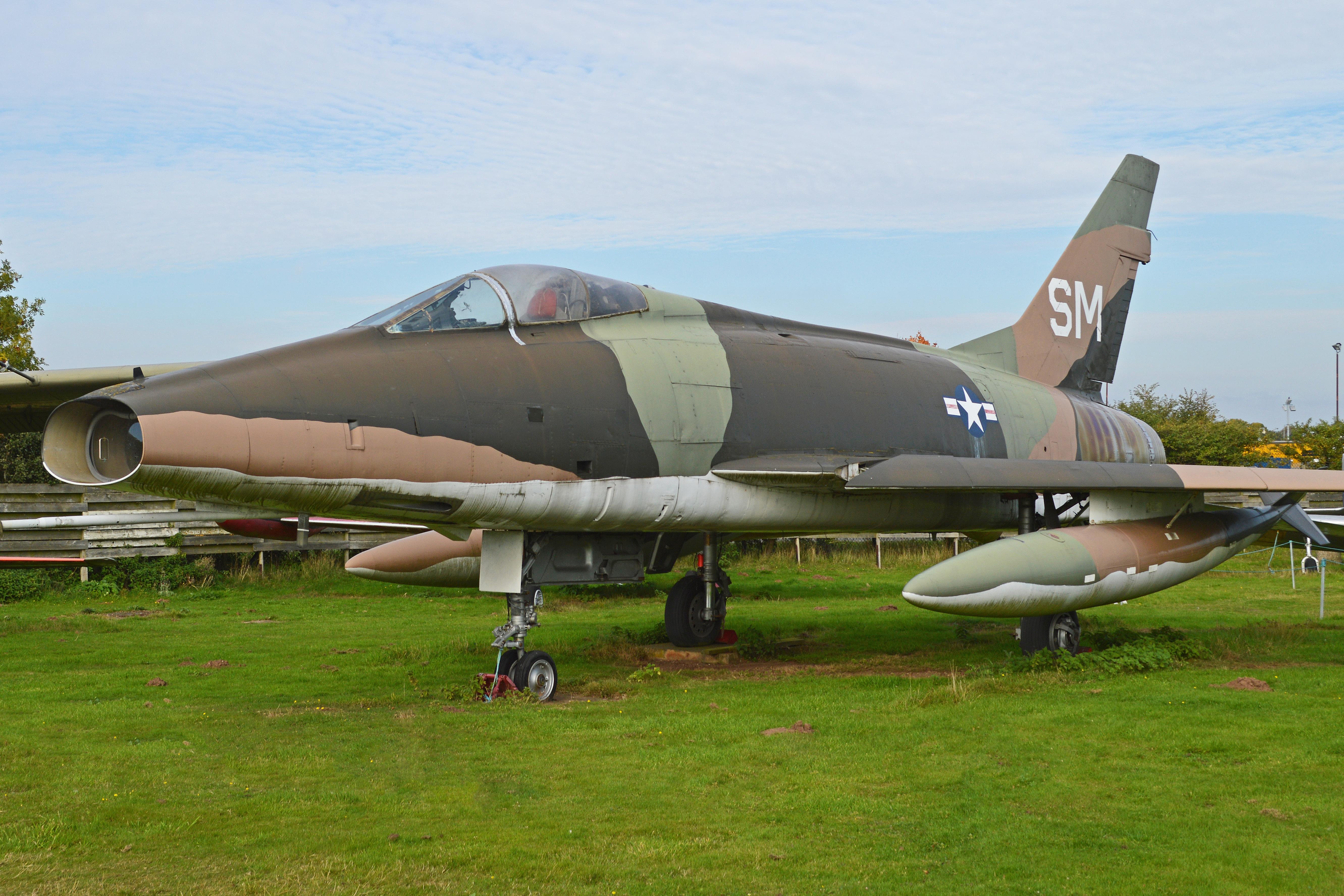 File:North American F-100D Super Sabre 'SM' (54-2174