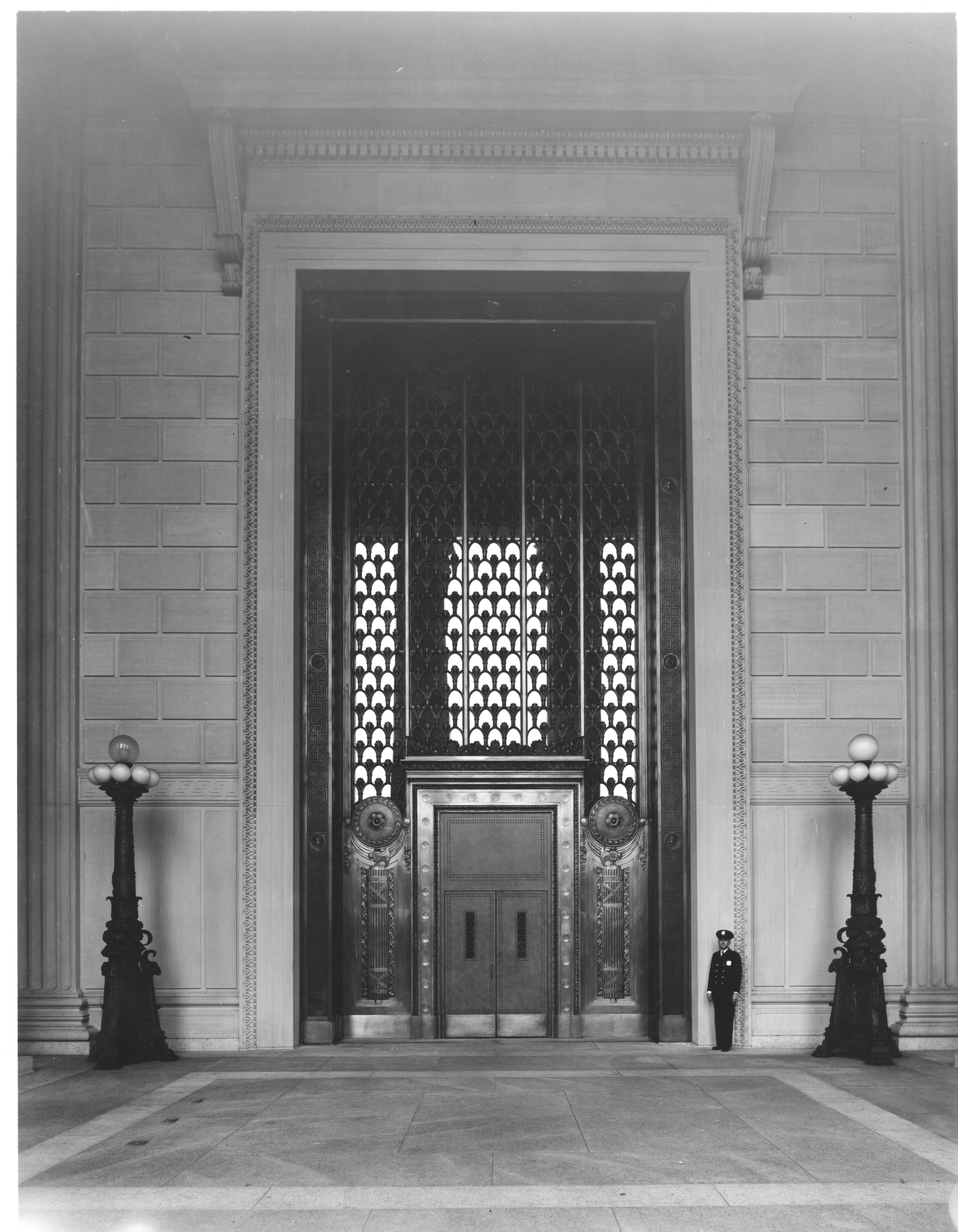 FilePhotograph of the National Archives Building Constitution Avenue Entrance with Bronze Doors Open & File:Photograph of the National Archives Building Constitution ...