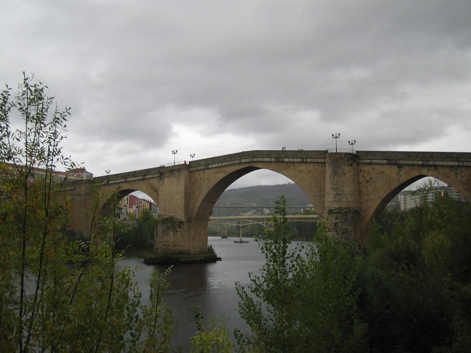 File:Puente romano.jpg - Wikimedia Commons