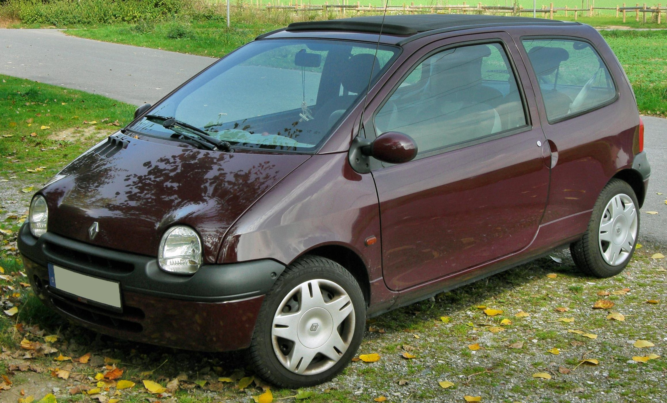 my first bloggy experience 2004 renault twingo 16v subcompact 3 doors hatchback 2005 renault. Black Bedroom Furniture Sets. Home Design Ideas