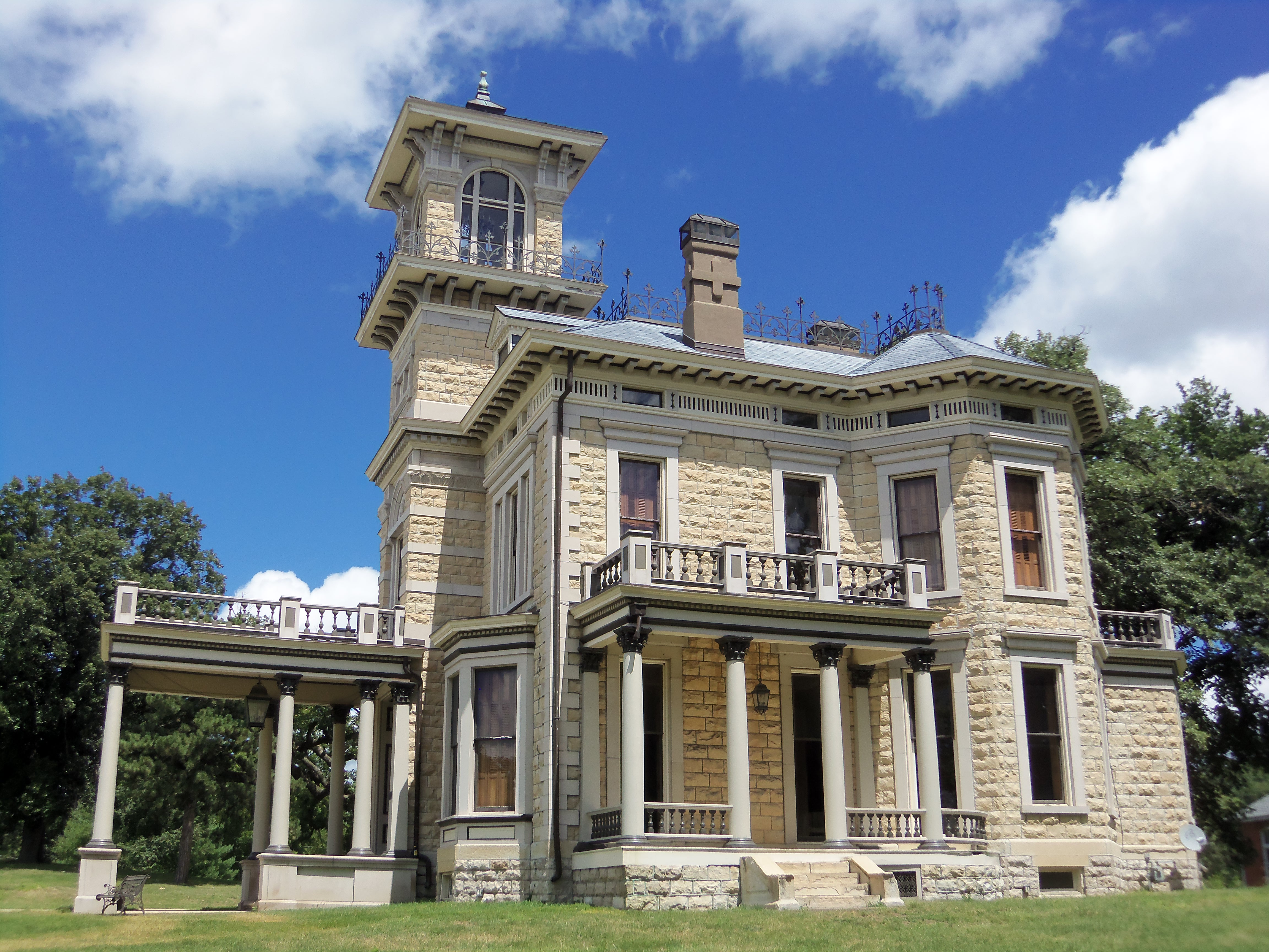 Iowa Part 2 >> File:Renwick Mansion Davenport, Iowa.jpg - Wikimedia Commons