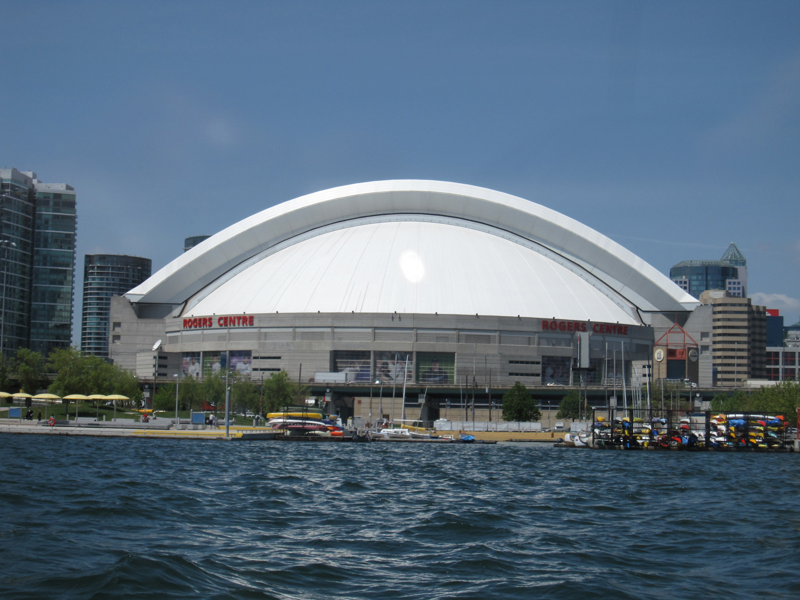 Check Out The Cool Rogers Centre In Toronto Photos