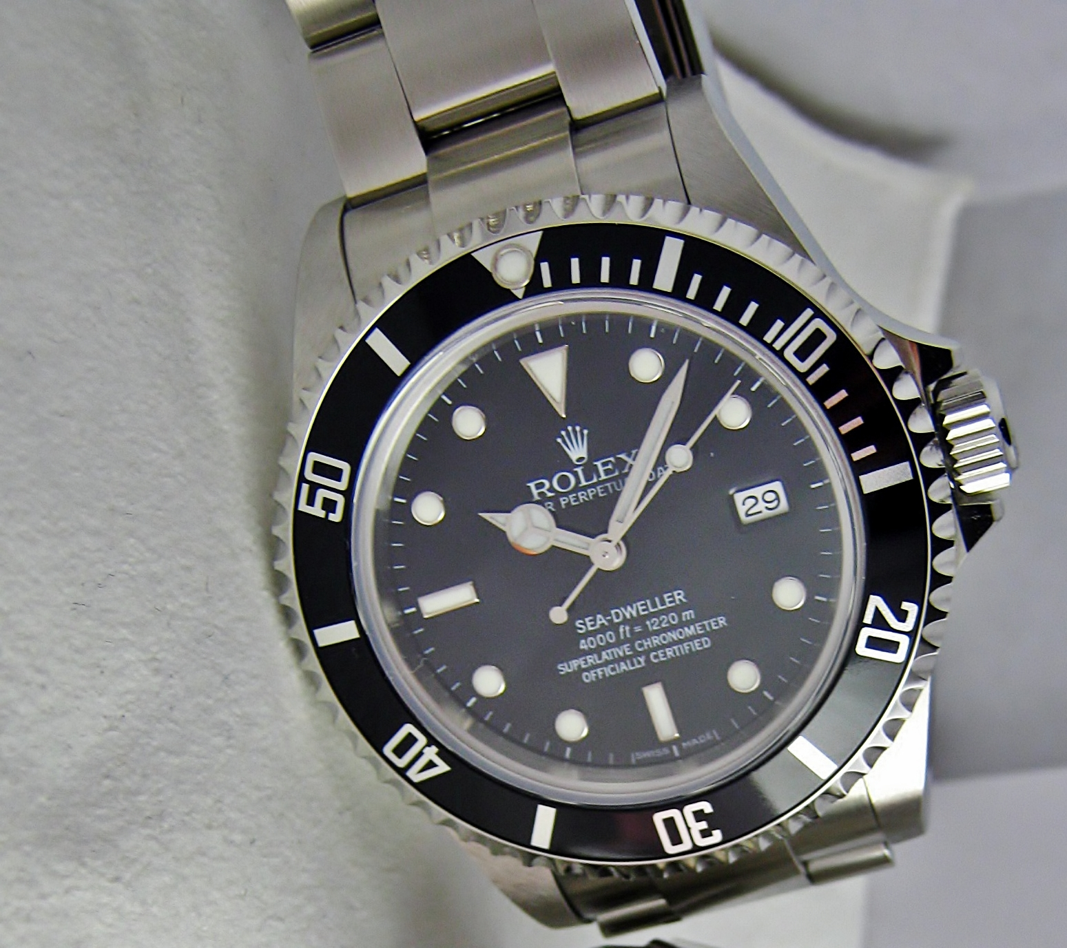 Rolex Sea Dweller 16600 Replica Rolex Sea-dweller 4000 With a
