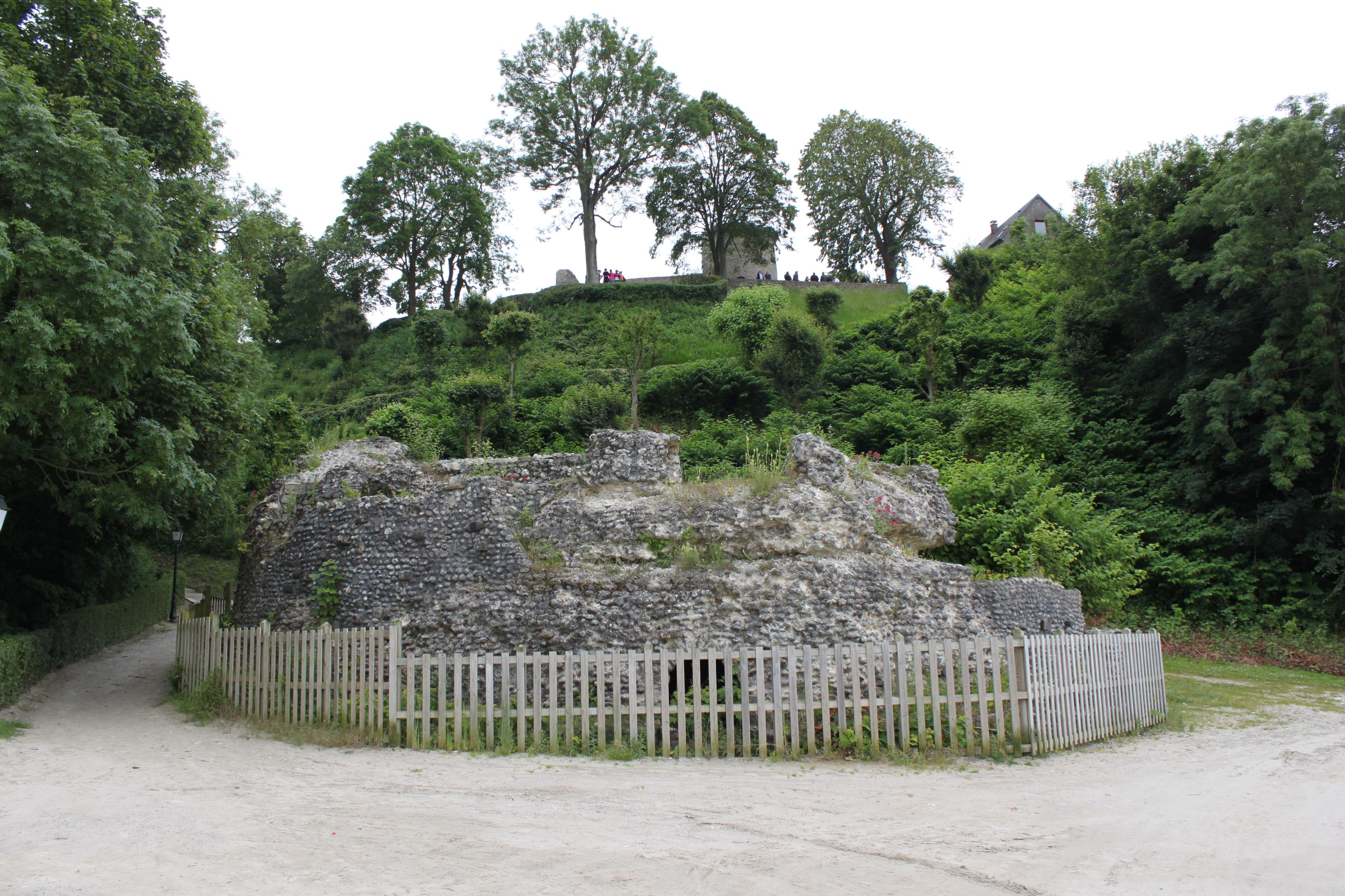 Description Saint-Valery-sur-Somme - Tour Harold.JPG