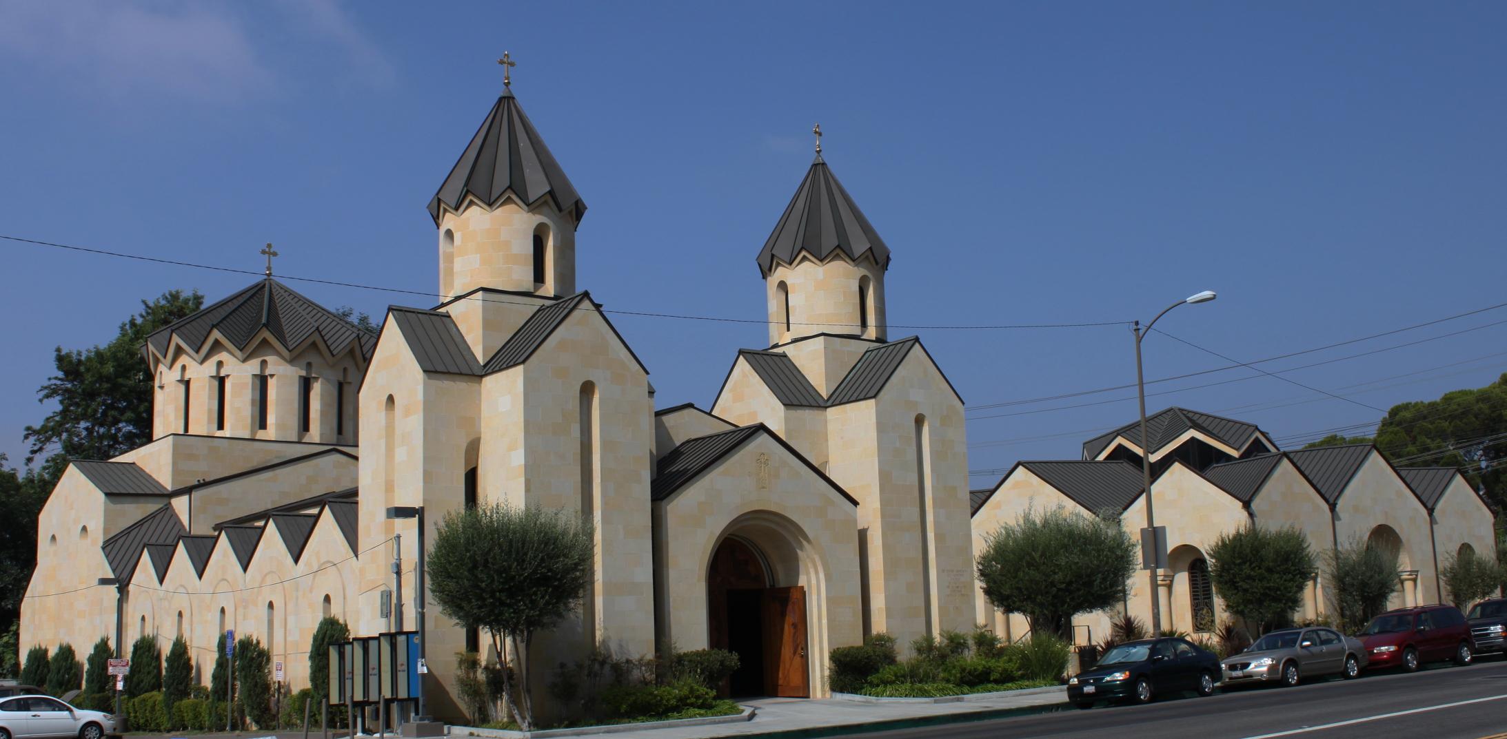http://upload.wikimedia.org/wikipedia/commons/8/80/Saint_Gregory_the_Illuminator_Armenian_Catholic_Church_in_Glendale_,_California_(2001)_full.JPG