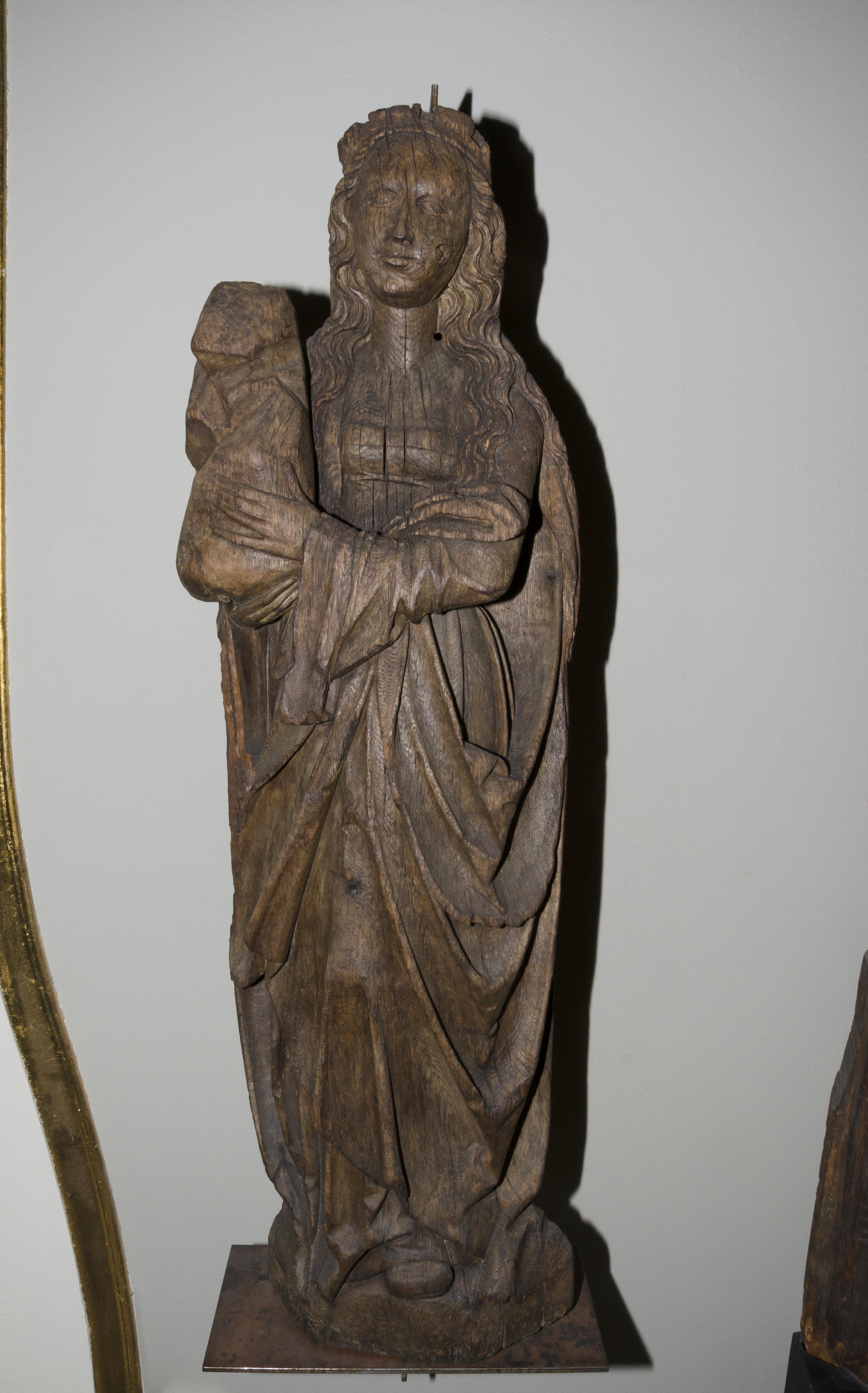 Den hellige Sunniva, utskåret trestatue fra Karlsøy kirke i Troms fra 1520-tallet, Kulturhistorisk museum