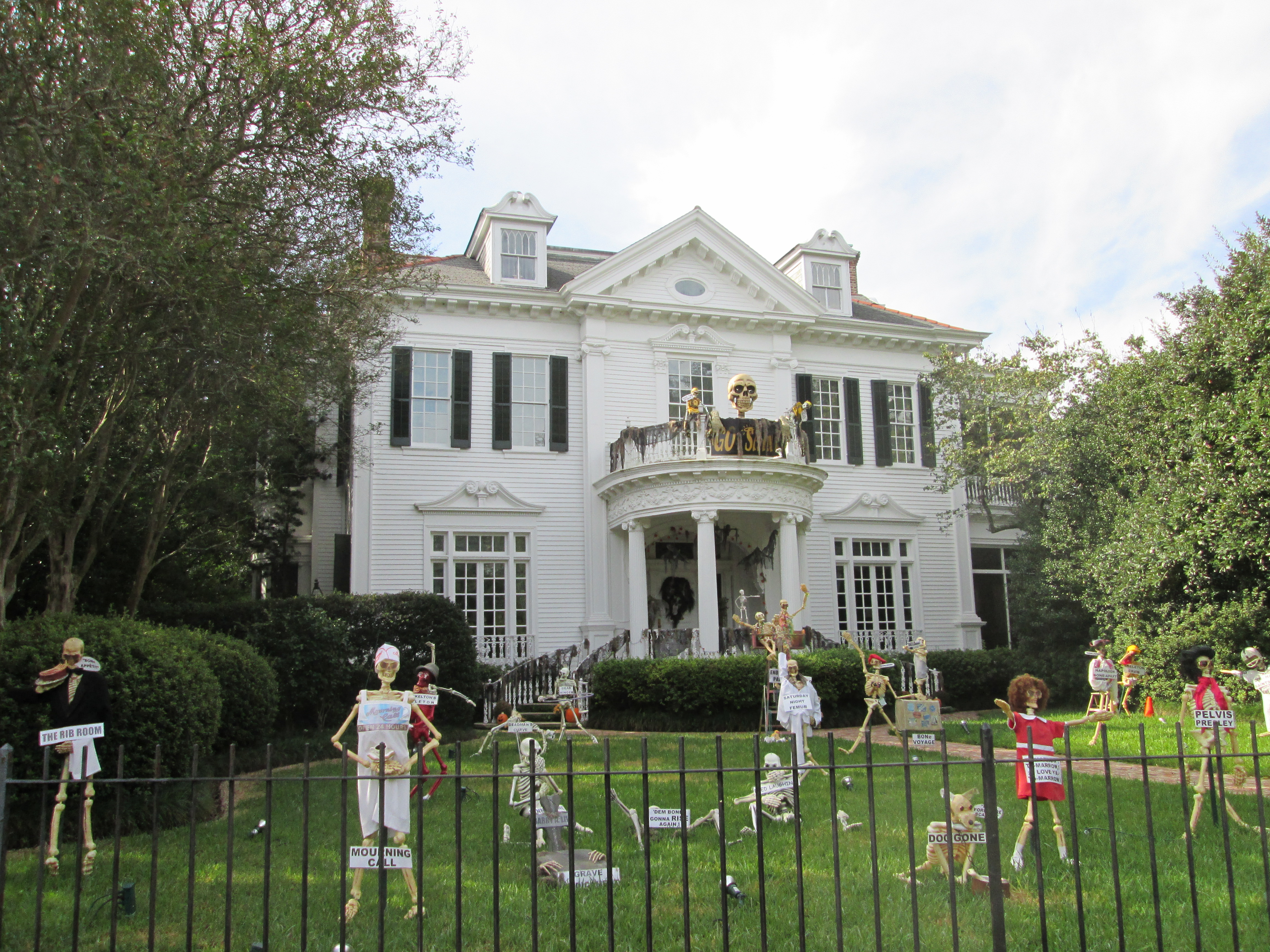 filestcharles halloween skeleton housejpg - Decorations For Houses